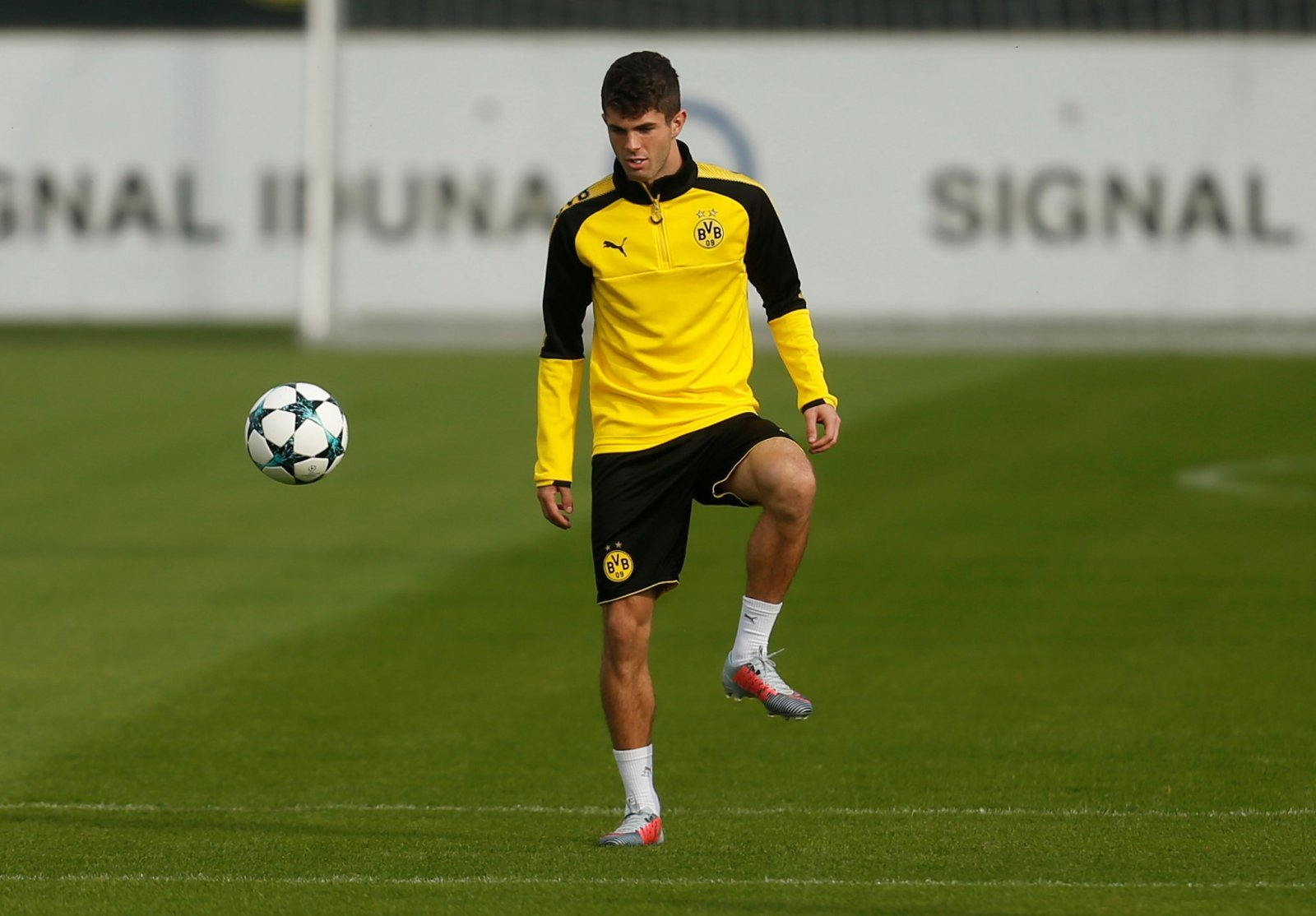 Tottenham fans on Twitter gutted to see Pulisic won't play against them in return leg