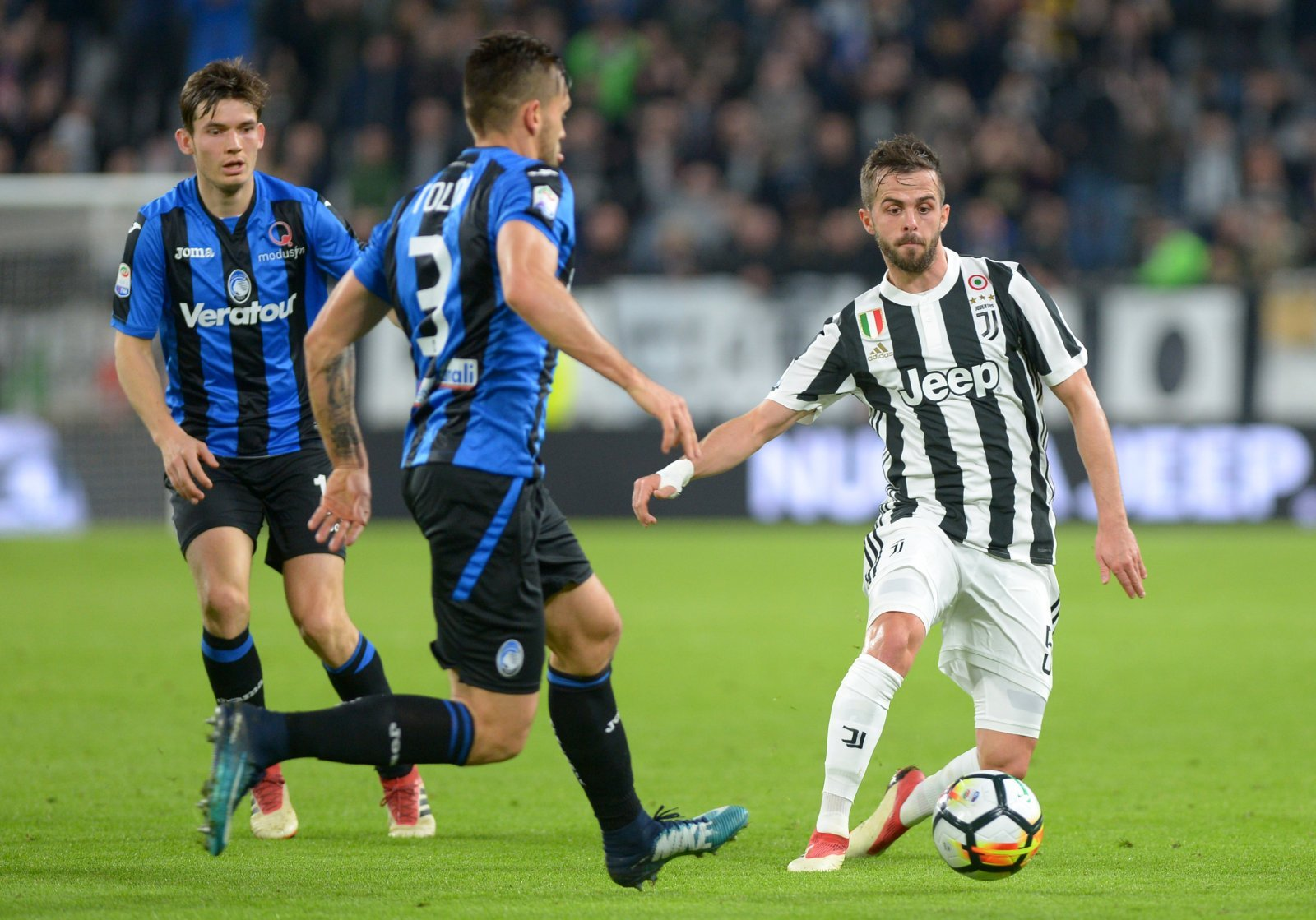 Cristiano Ronaldo could prevent Man City from signing Miralem Pjanic