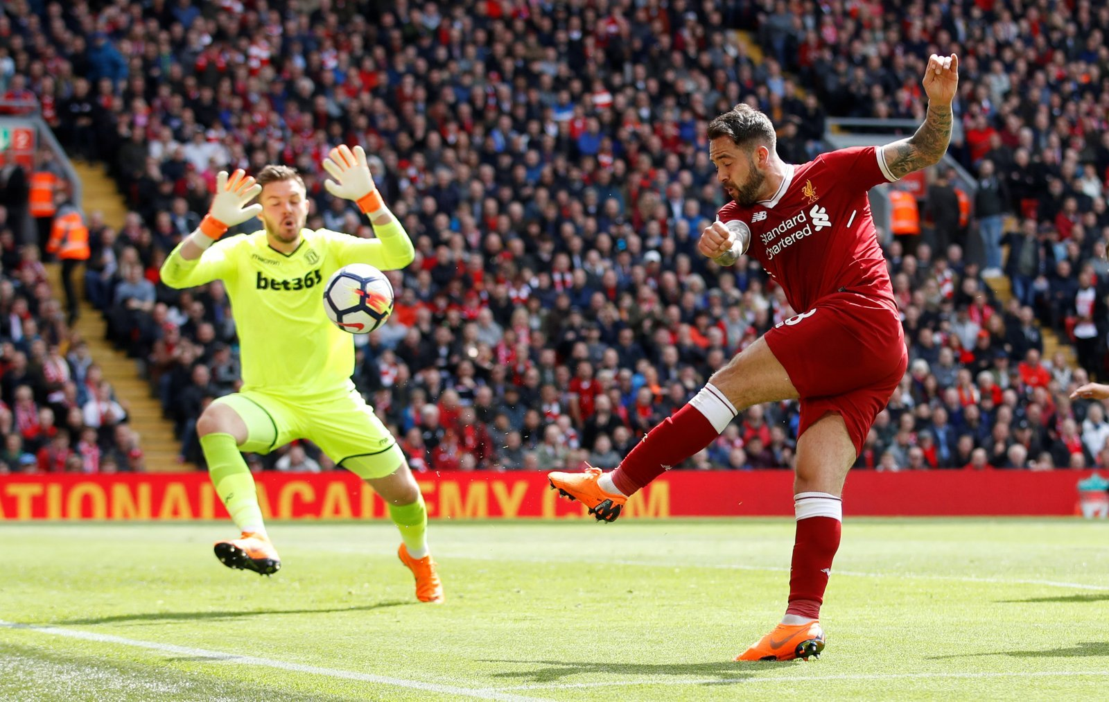 Crystal Palace declare an interest in signing Danny Ings