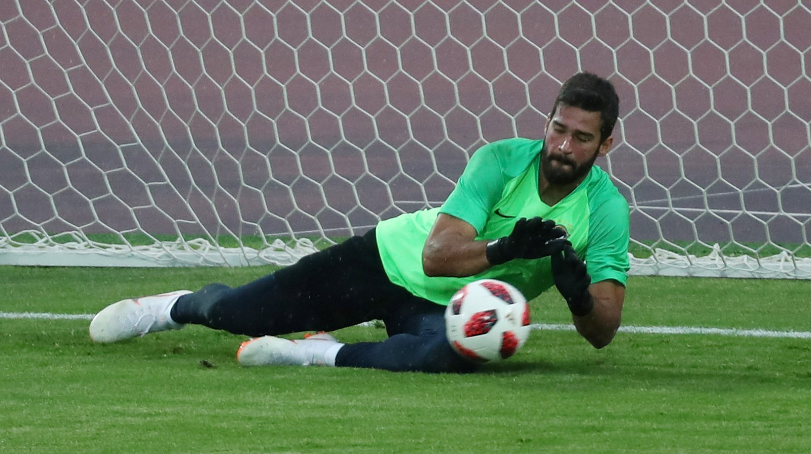 Chelsea fans are worried about losing out on the signing of Alisson