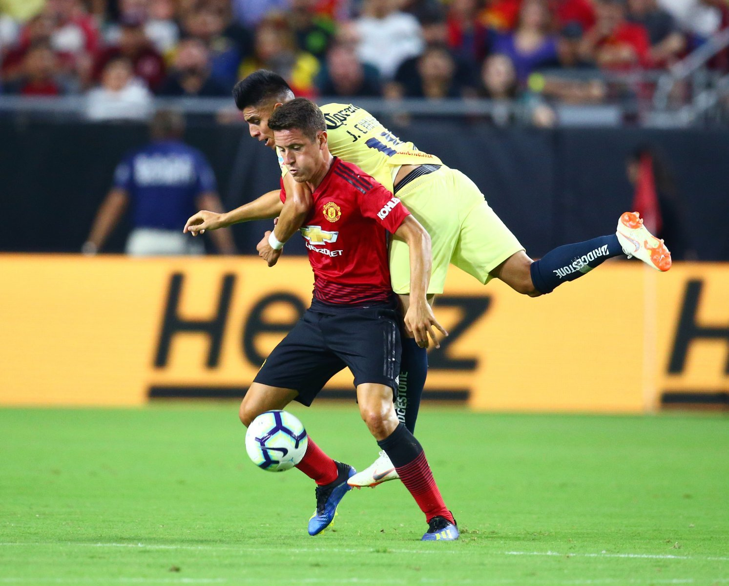 Manchester United should move Herrera on, not offer him a new contract