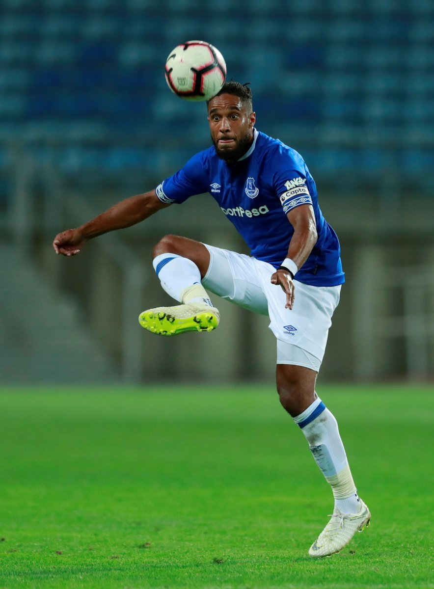 Bristol City: Robins on the verge of completing deal for Ashley Williams