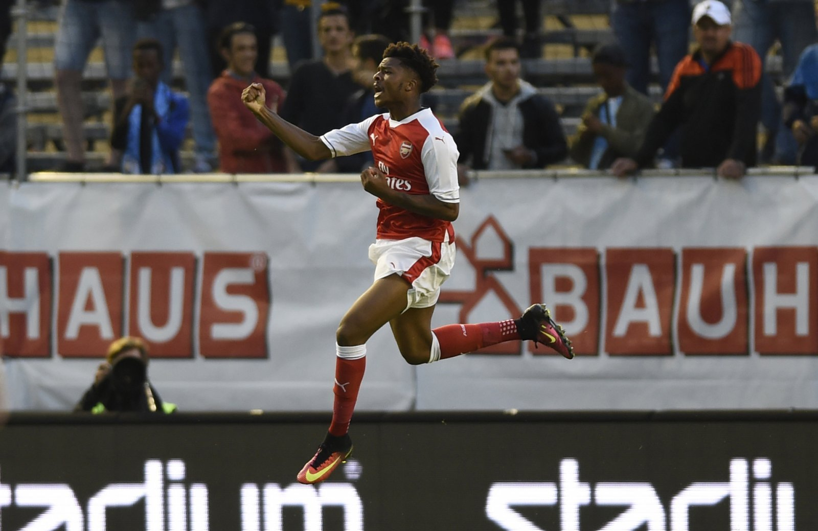 Selling Chuba Akpom is the right move for Arsenal