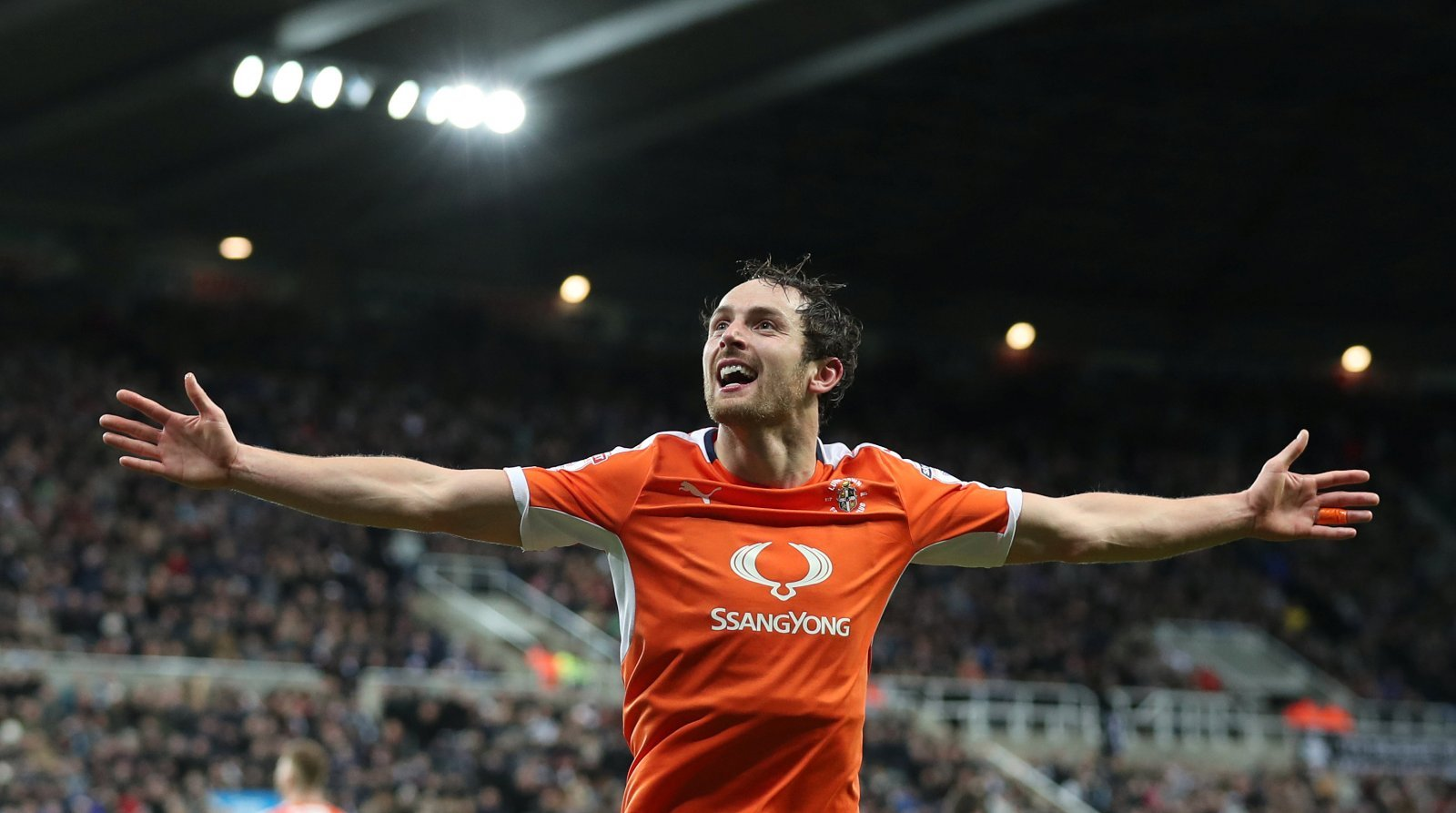 Luton Town team news: Nathan Jones to make decision on Danny Hylton