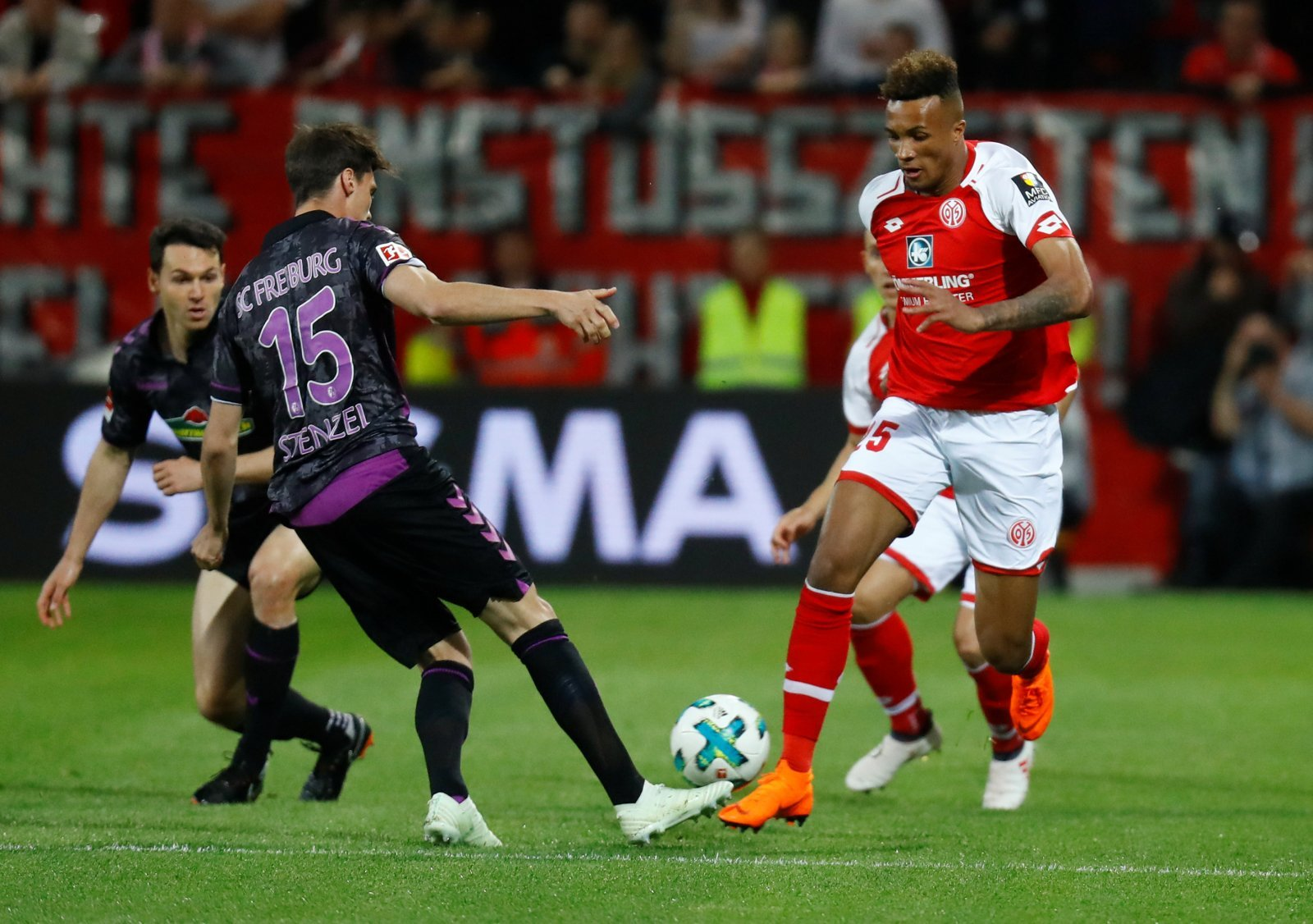 Bringing in Gbamin would help West Ham forget about Pedro Obiang