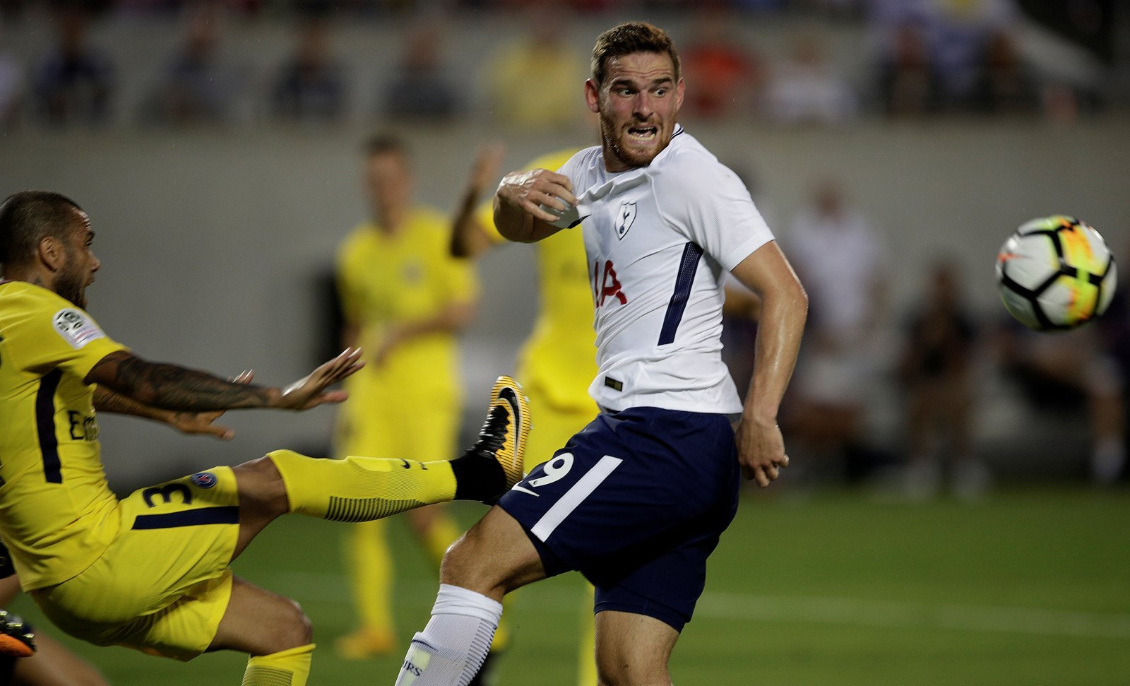 Vincent Janssen set to stay after suffering injury