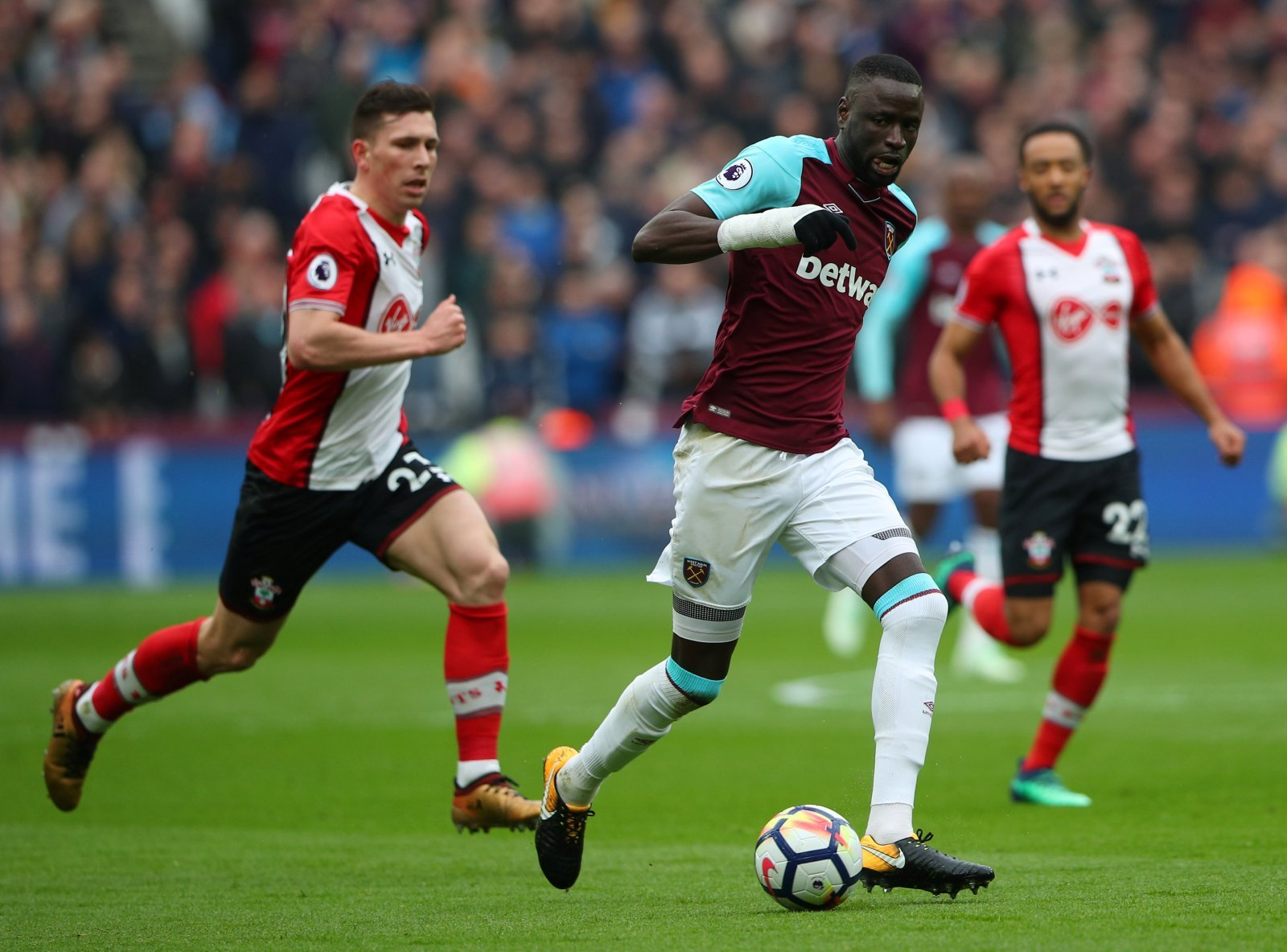 Crystal Palace stumbling with deal for Cheikhou Kouyate