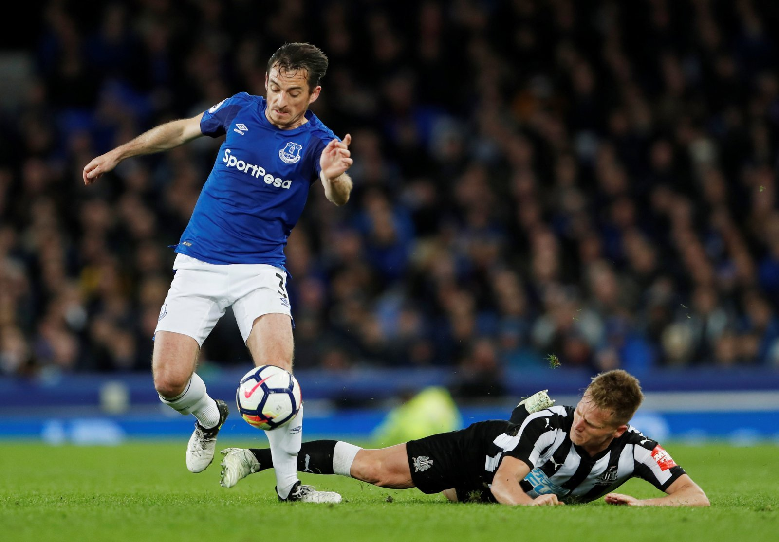 Baines' Everton career looks all but over despite backing from Silva
