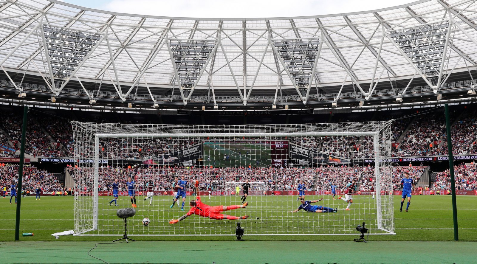 West Ham fans take to Twitter in delight at potential stadium changes