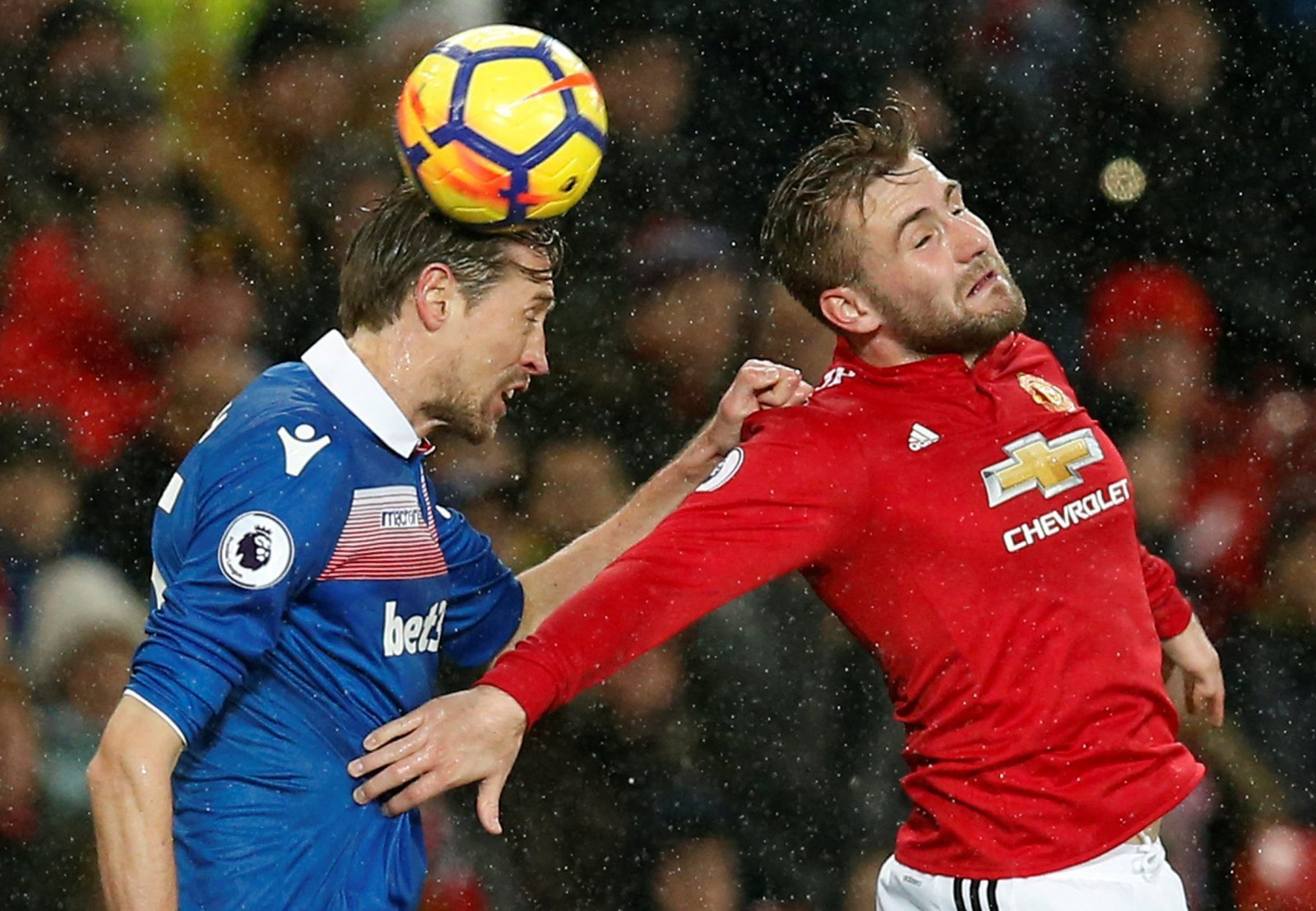 Luke Shaw should give up on his Old Trafford dream