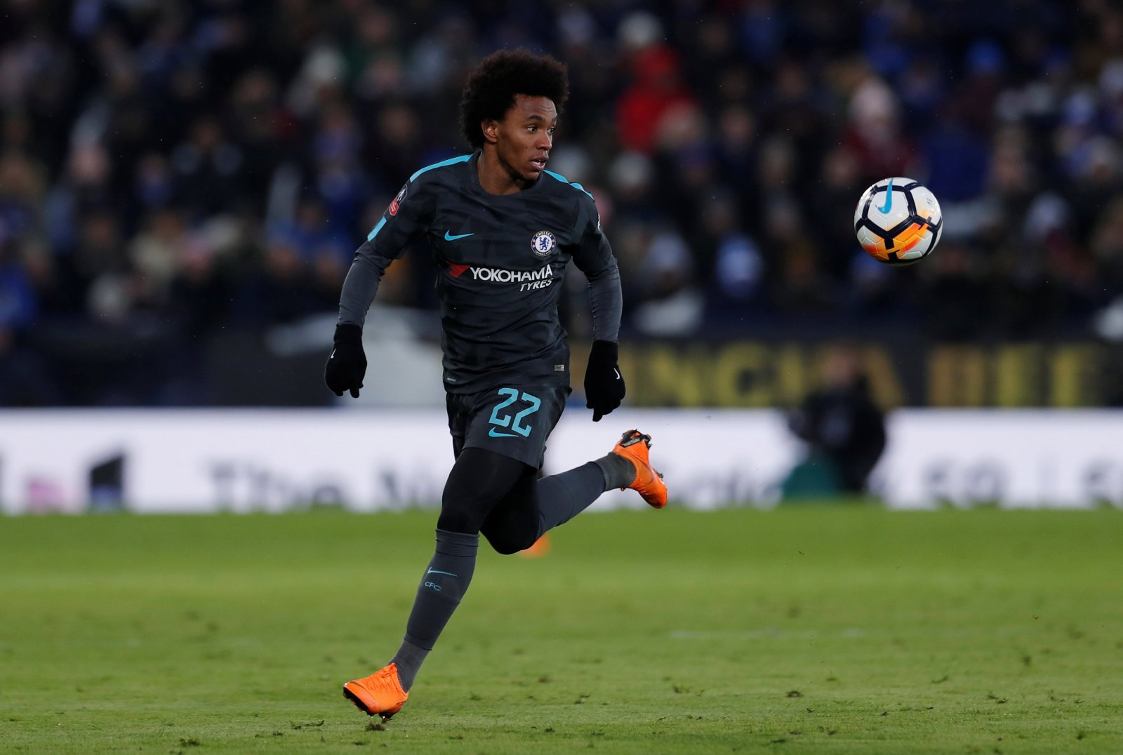 Everton simply must make audacious summer move for wantaway Willian