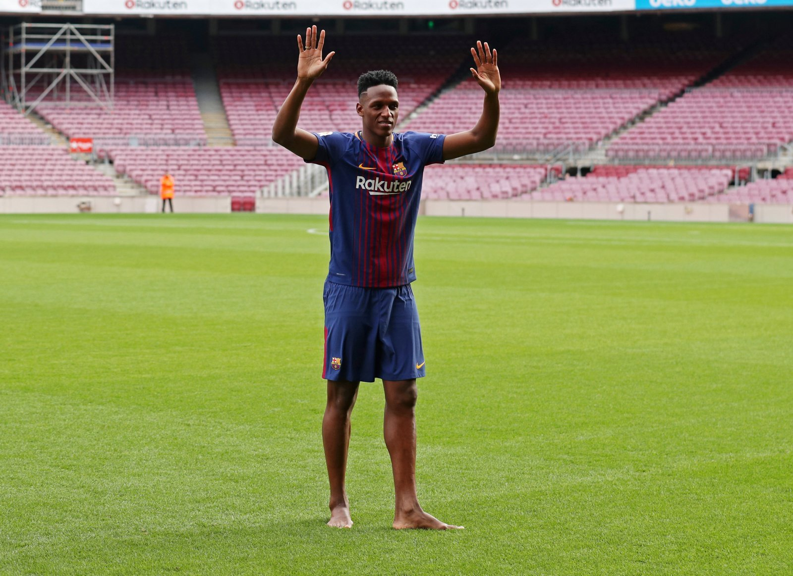 Yerry Mina would be Wolves' best signing of the summer