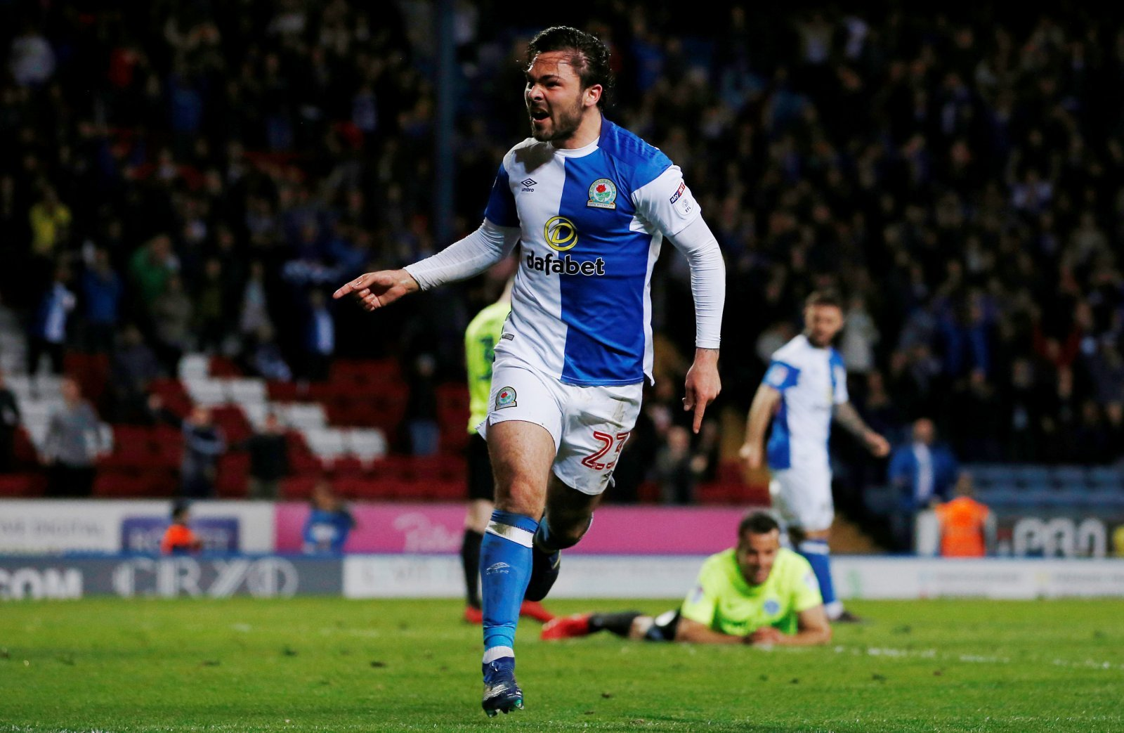 January bid for Bradley Dack could seal Leeds' promotion