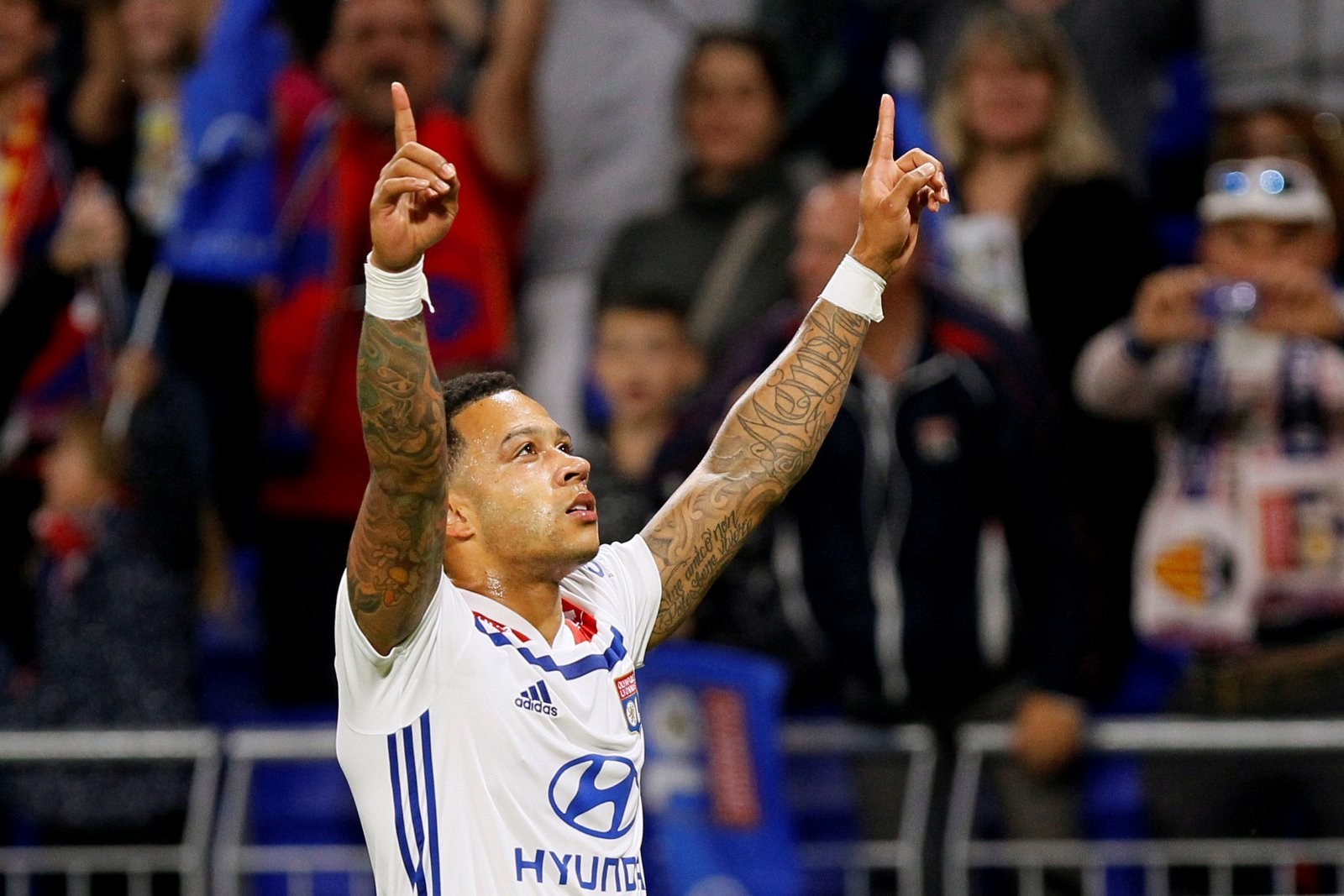 Chelsea could give Memphis Depay another chance in England