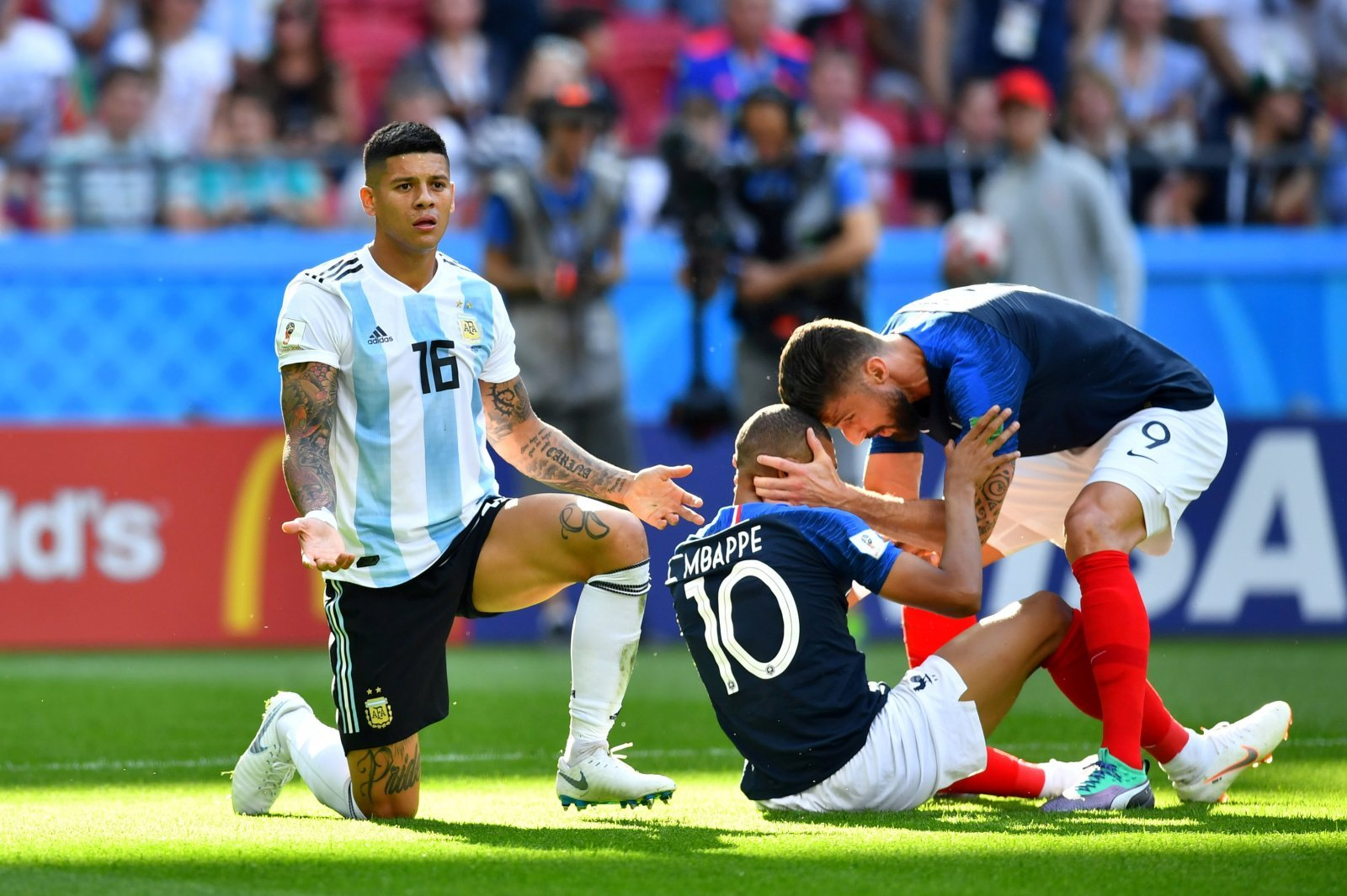 Marcos Rojo could form a formidable partnership with Yerry Mina