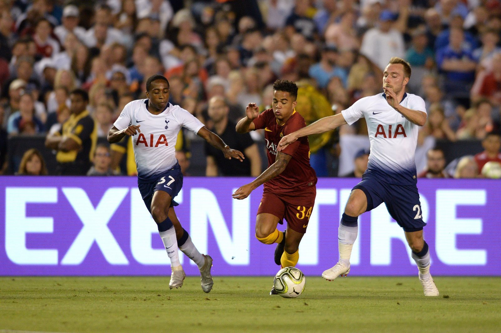 Tottenham fans don't want Christian Eriken to leave the club this summer