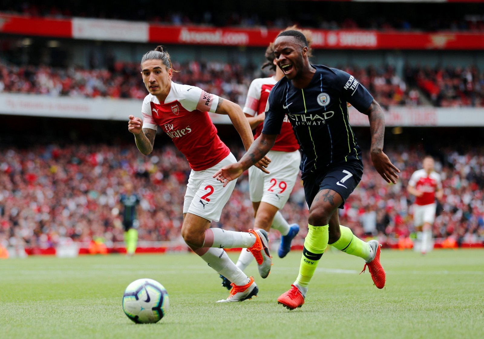 Manchester United should make outrageous attempt to poach Raheem Sterling