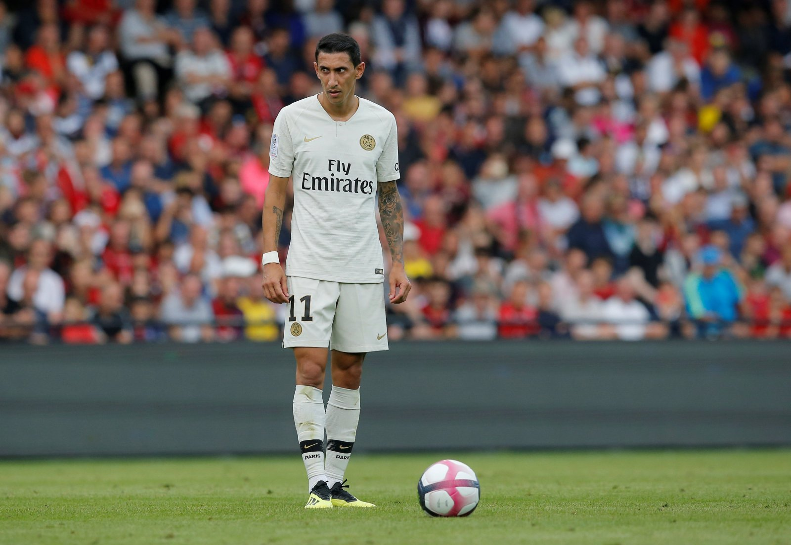Angel Di Maria could slot nicely into an Arsenal midfield not quite sure of itself yet