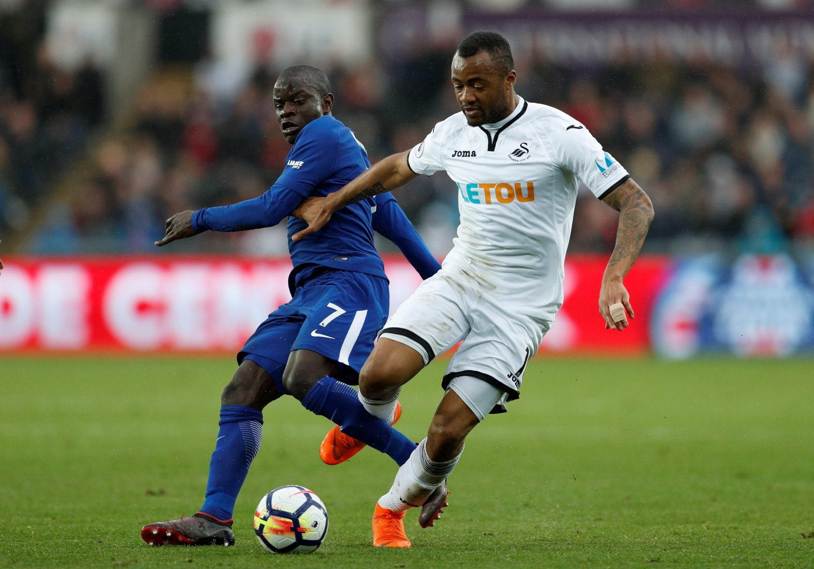 Opinion: Ayew must replace Benteke as Crystal Palace's No.9