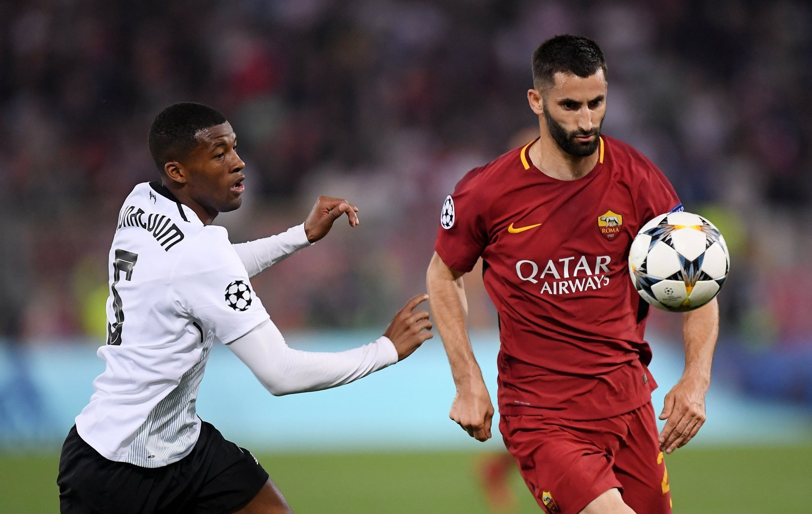 Maxime Gonalons would provide West Ham with their perfect Kouyate replacement