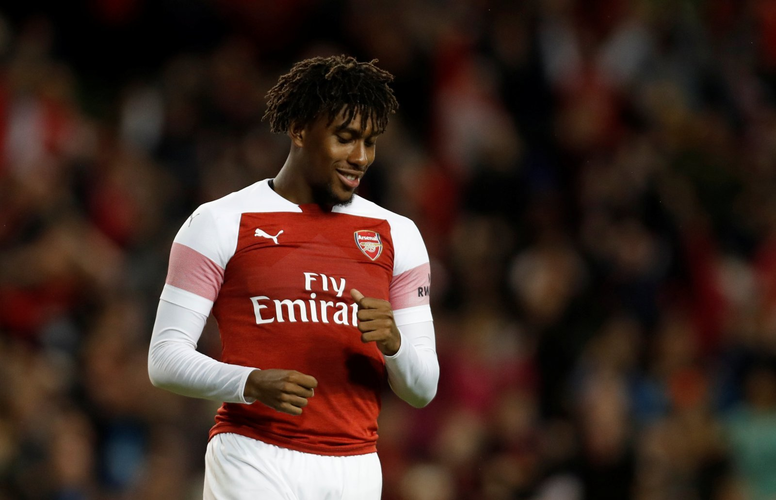 Arsenal fans take to Twitter to slam out-of-form Iwobi