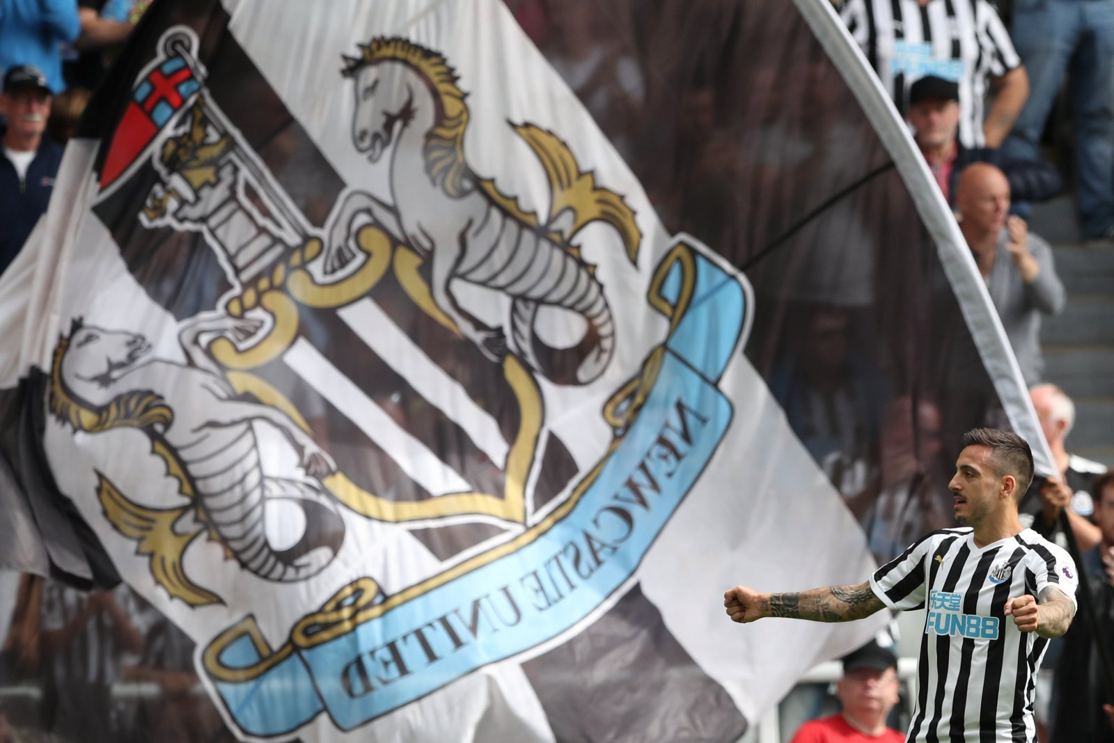 Joselu is gaining support amongst Newcastle United fans after strong season start