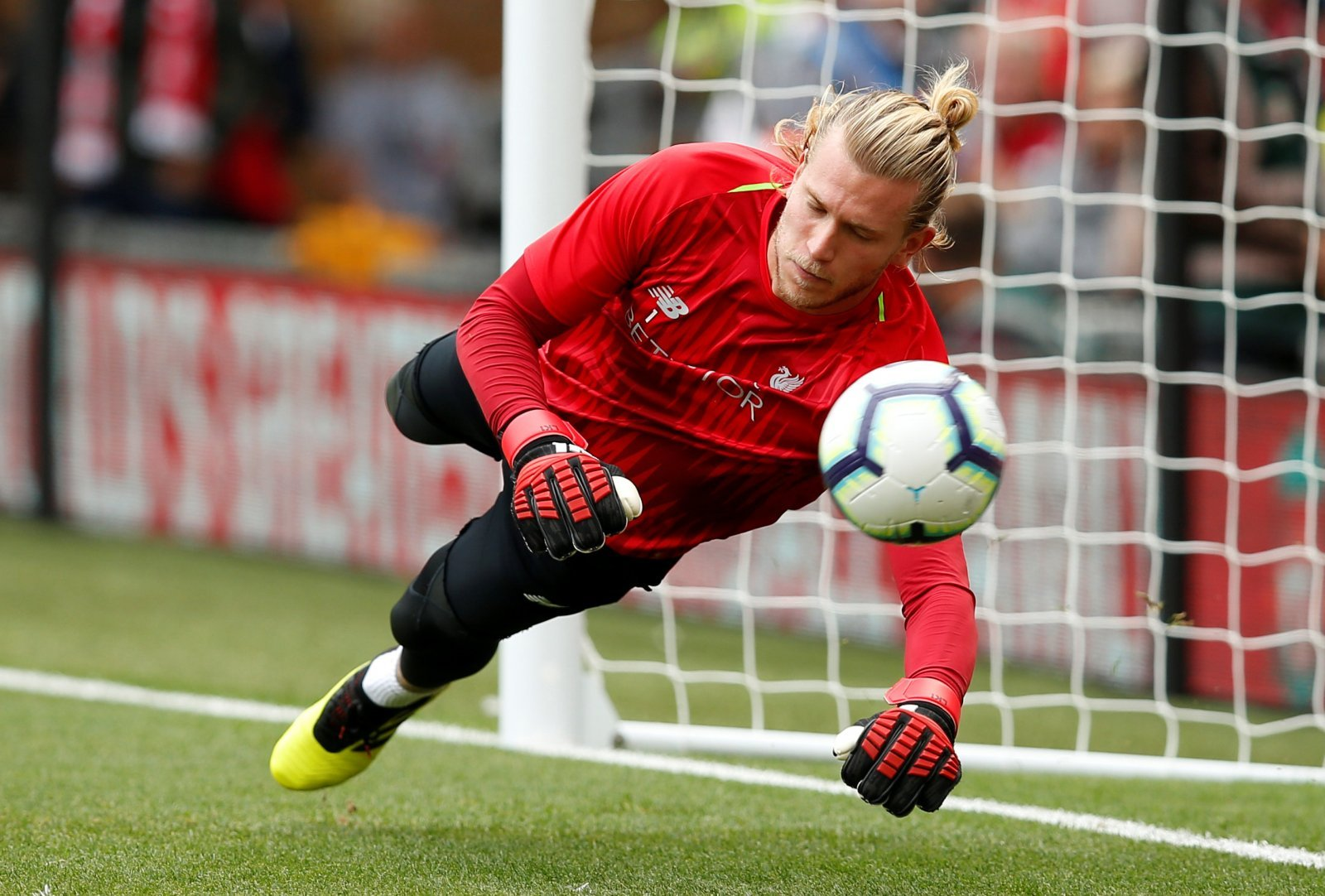 Liverpool's Loris Karius should seek to reignite his career by moving to Celtic this month