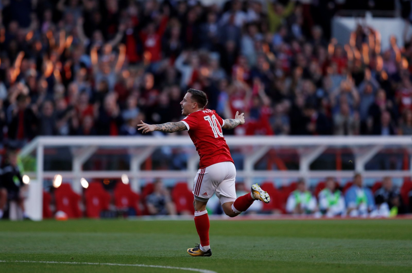 Nottingham Forest fans on Twitter feeling very happy about Barrie McKay's departure