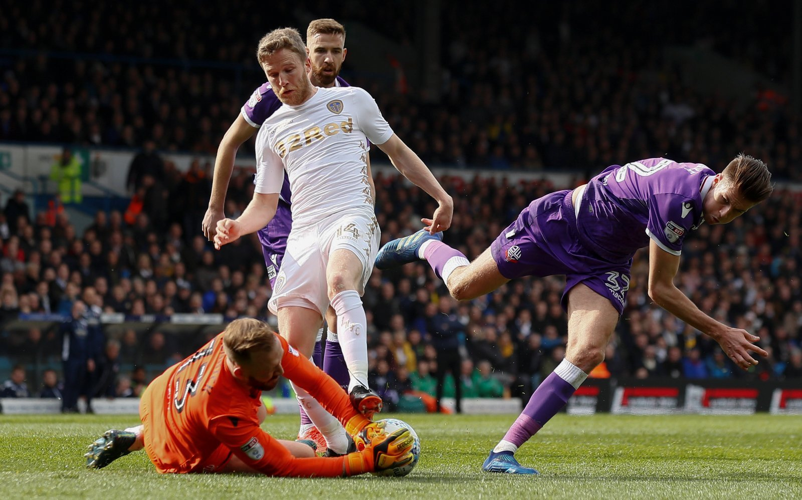 Leeds fans on Twitter gutted for O'Kane as he suffers horror injury