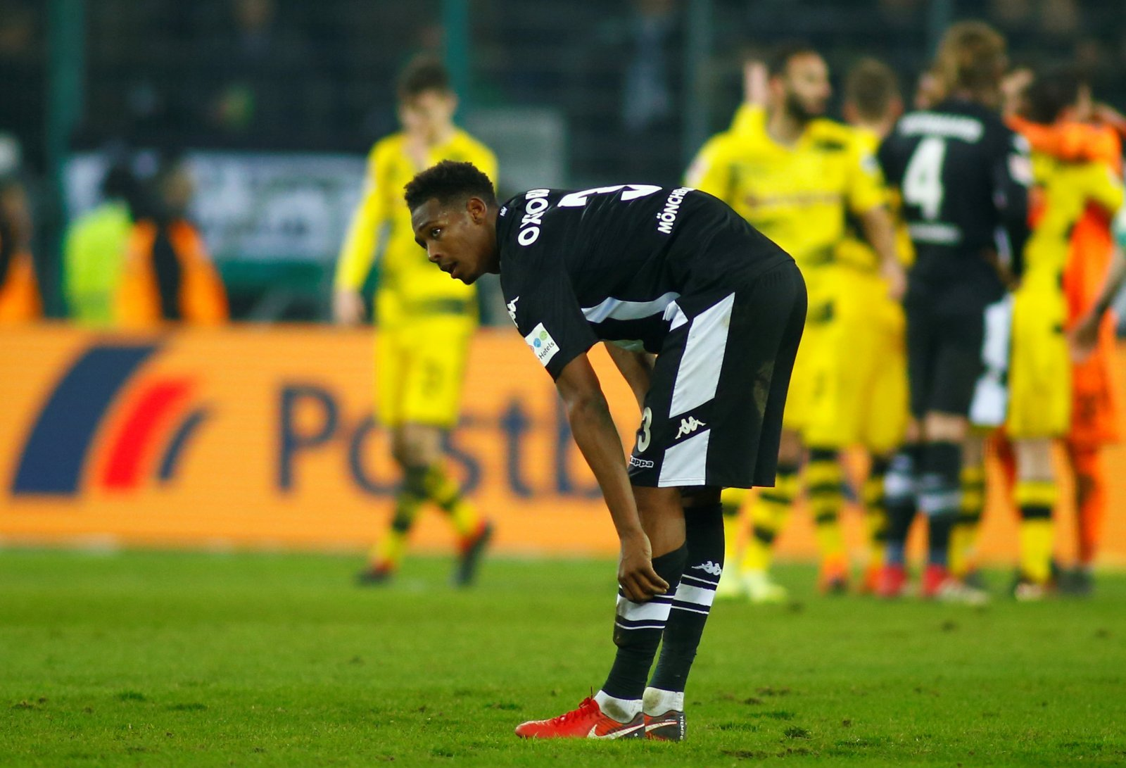 Tony Pulis should seek to make a move for West Ham's Reece Oxford
