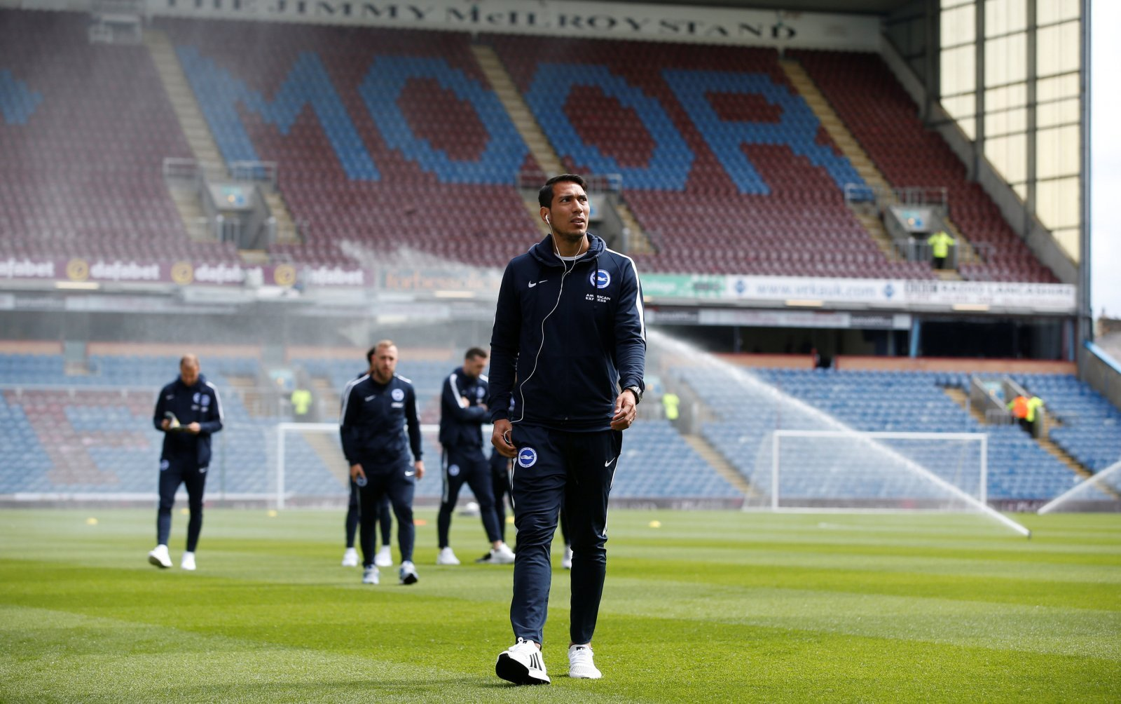 Adding Ulloa to Villa's attack could turn them back into promotion candidates