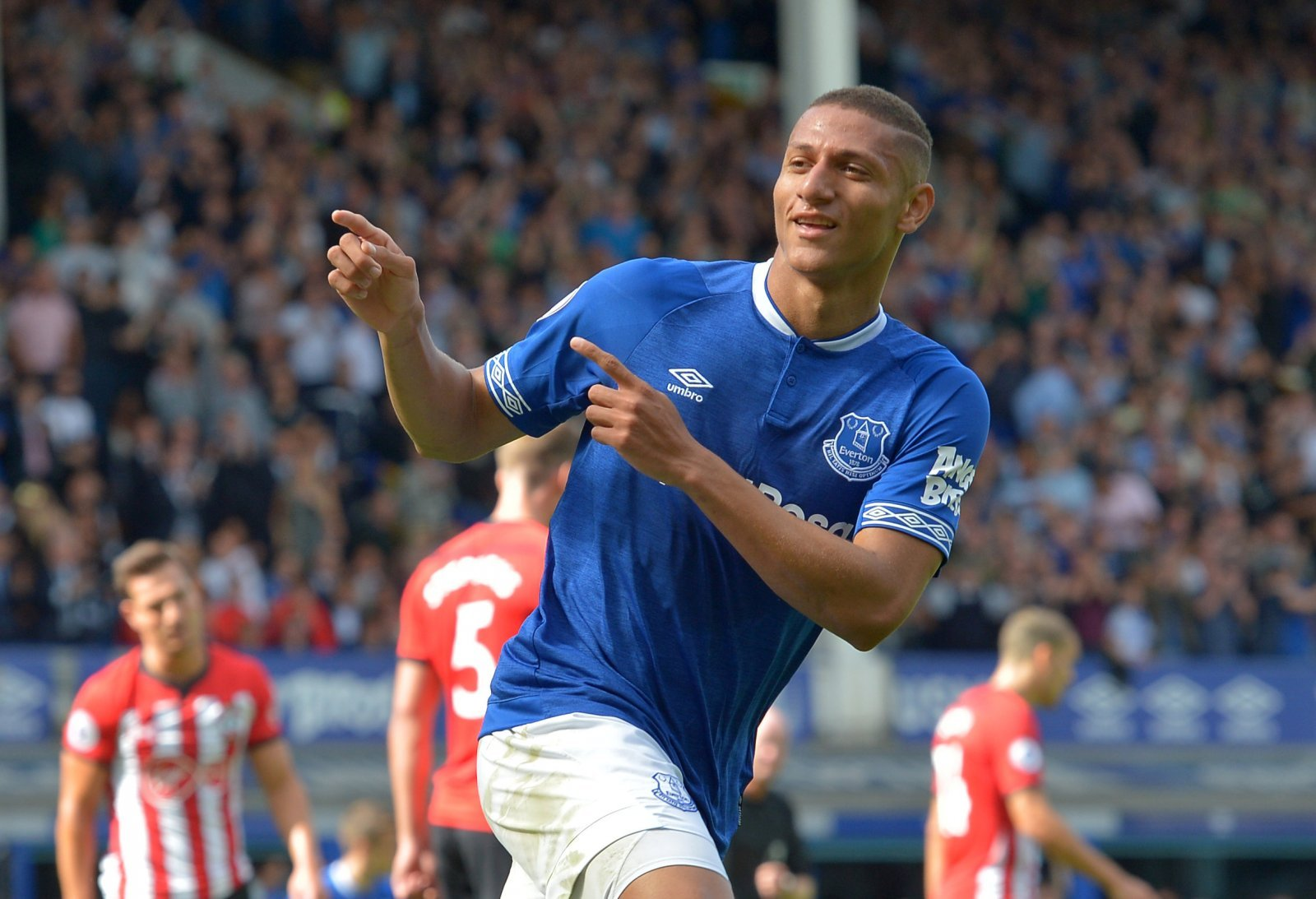 Richarlison could become an Everton legend against Manchester United on Sunday