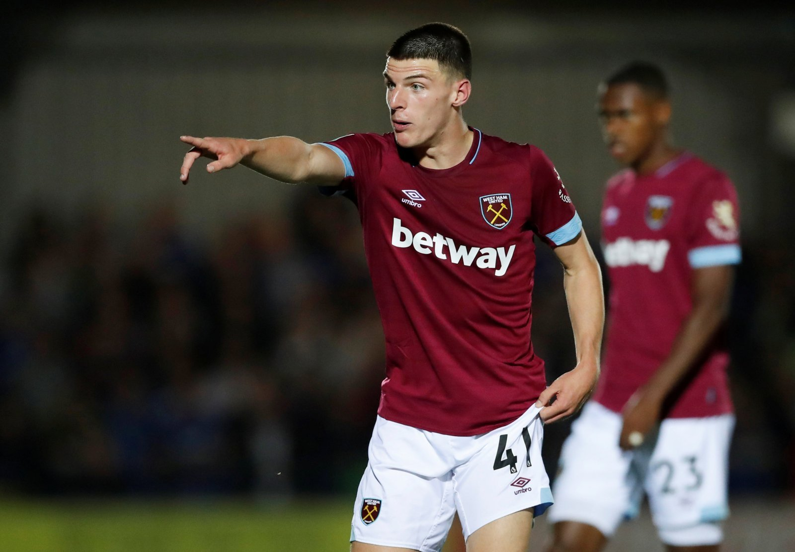 West Ham fans want Declan Rice to start against Everton