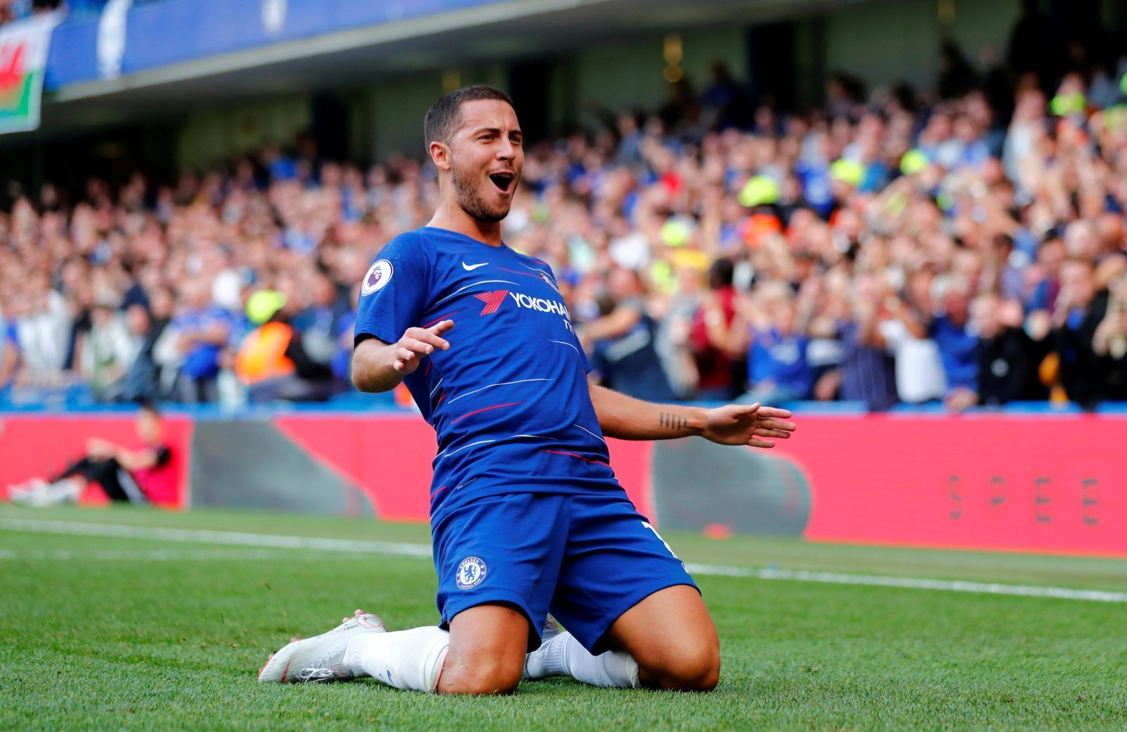 Chelsea fans on Twitter react to Eden Hazard injury news