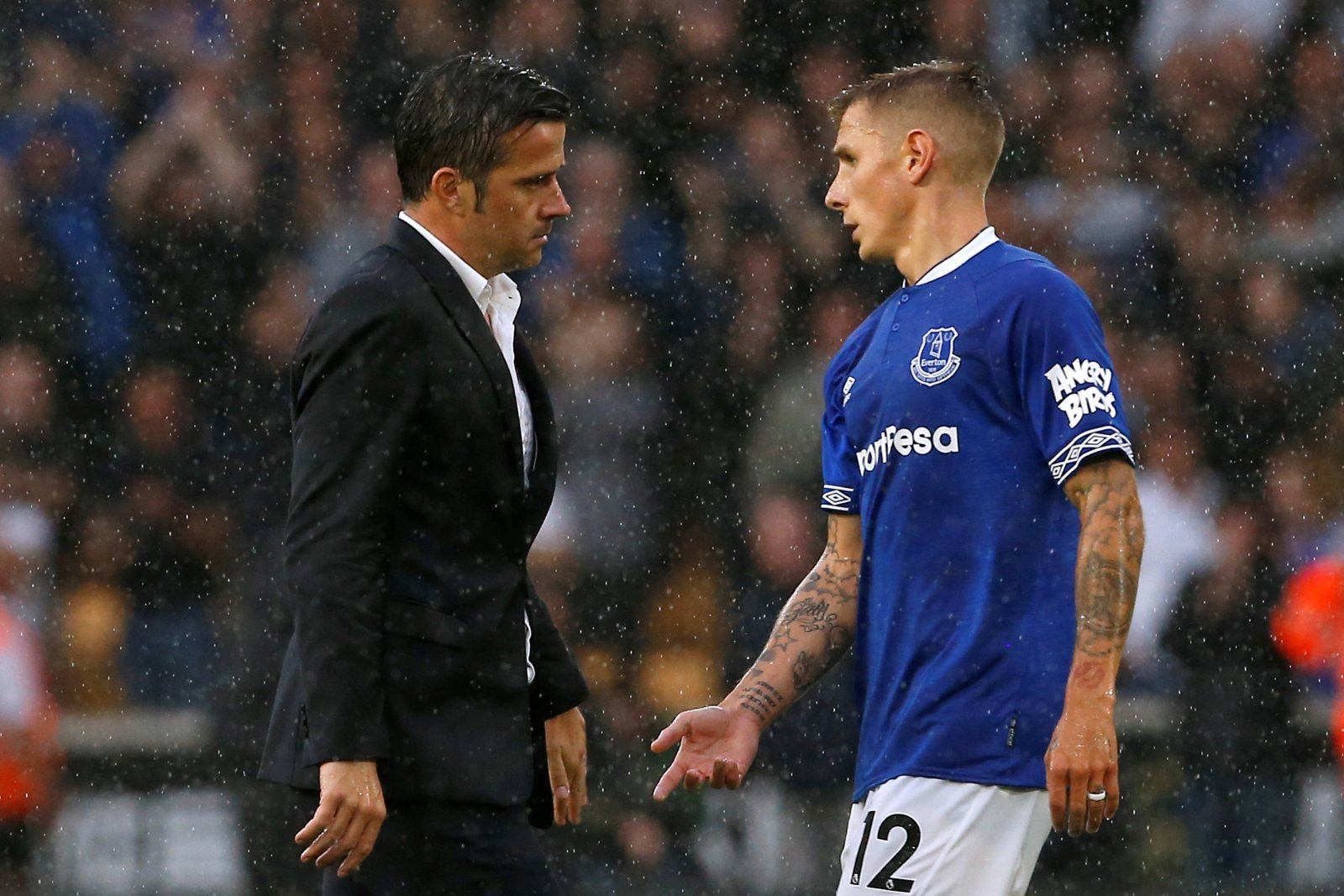 Everton fans on Twitter were fuming with awful performance in yesterday's draw
