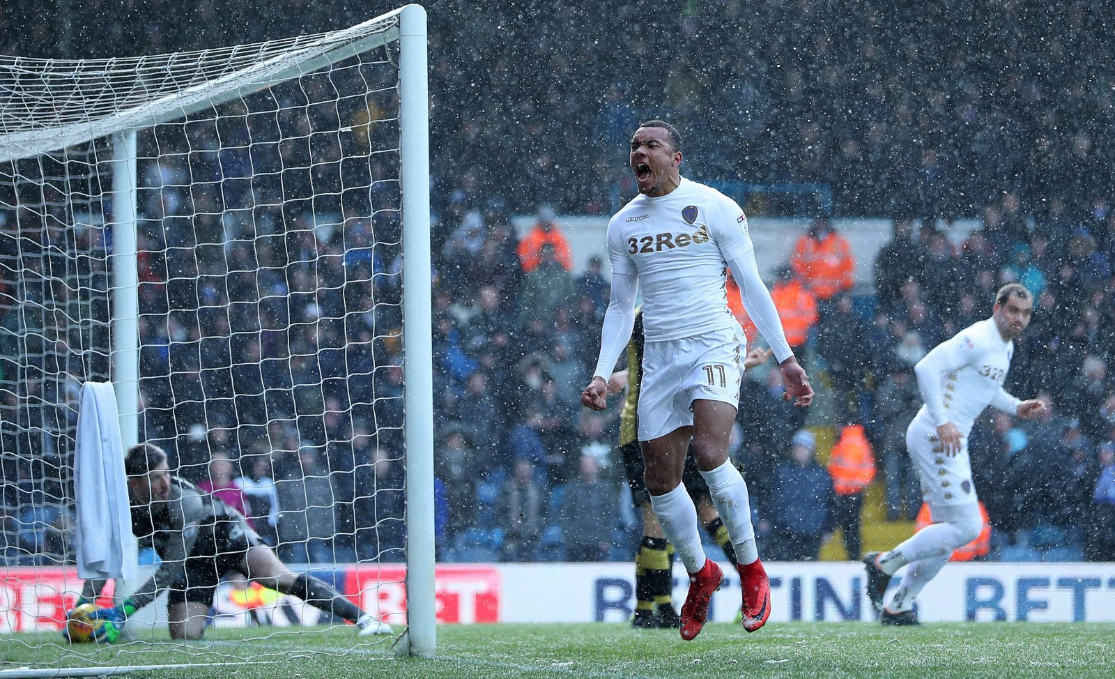 Jay-Roy Grot simply must take a leaf out of Klich's book to make the grade at Leeds