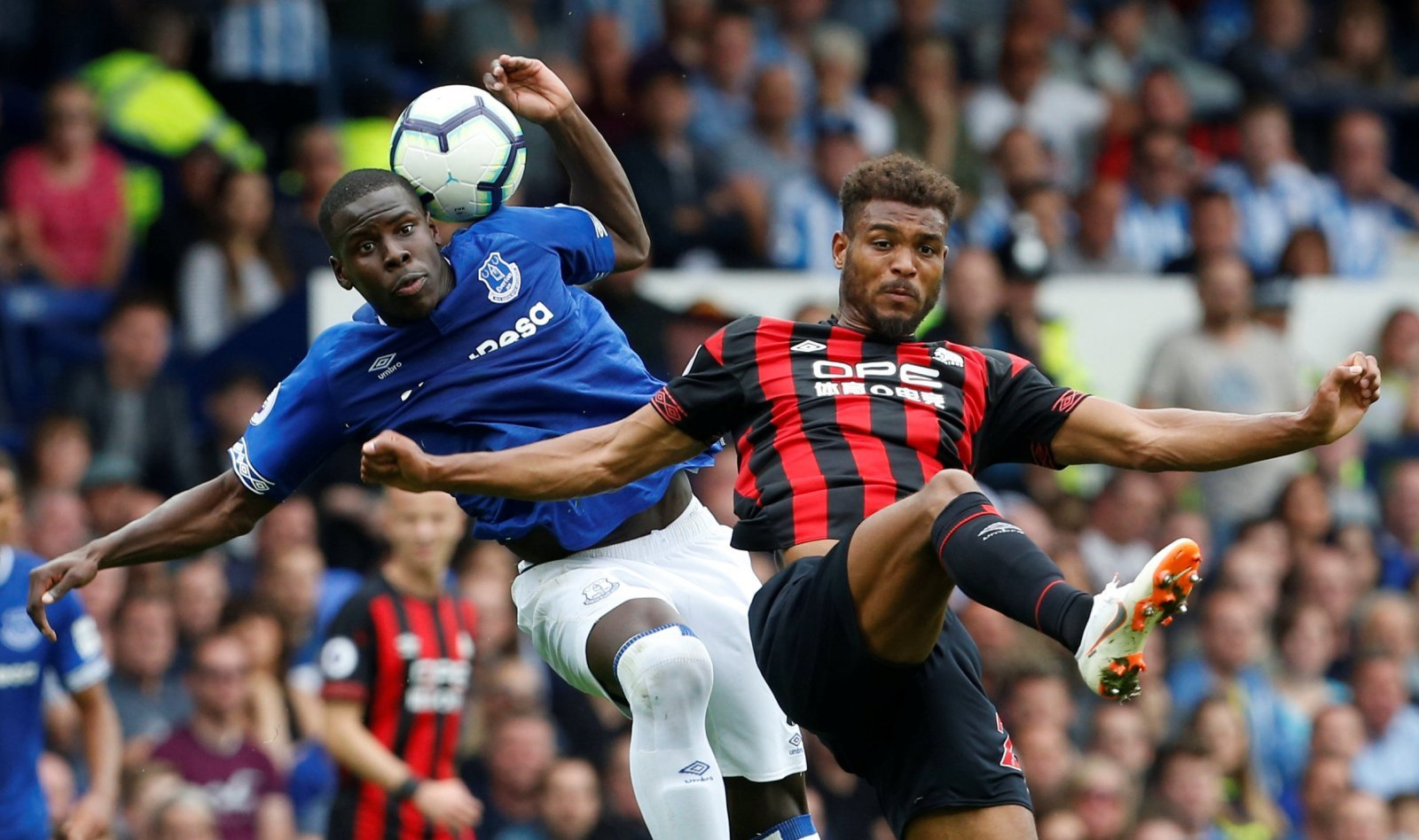 Chelsea's transfer ban not enough to prevent Everton from signing Zouma
