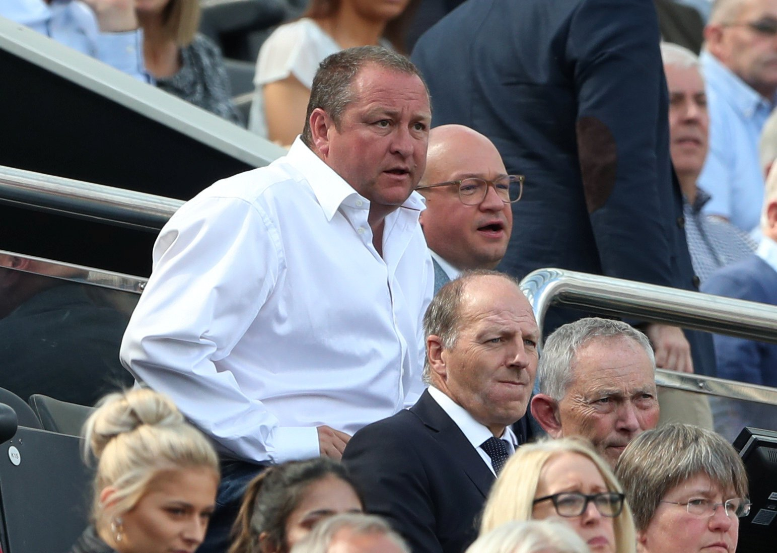 Mike Ashley tells Peter Kenyon to make an offer