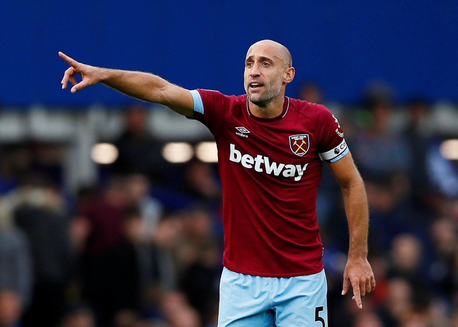 West Ham fans on Twitter plead for Zabaleta to stay following Fulham display