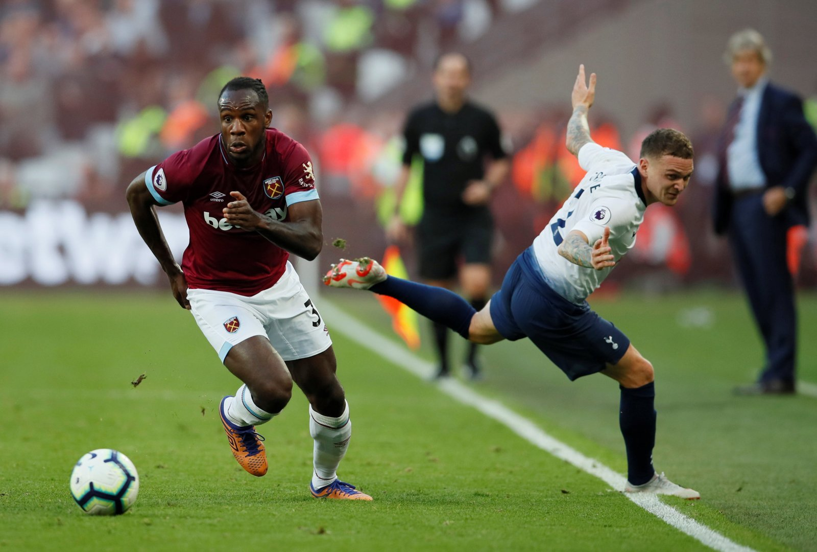 West Ham fans take to Twitter to laud superb Antonio after Fulham win