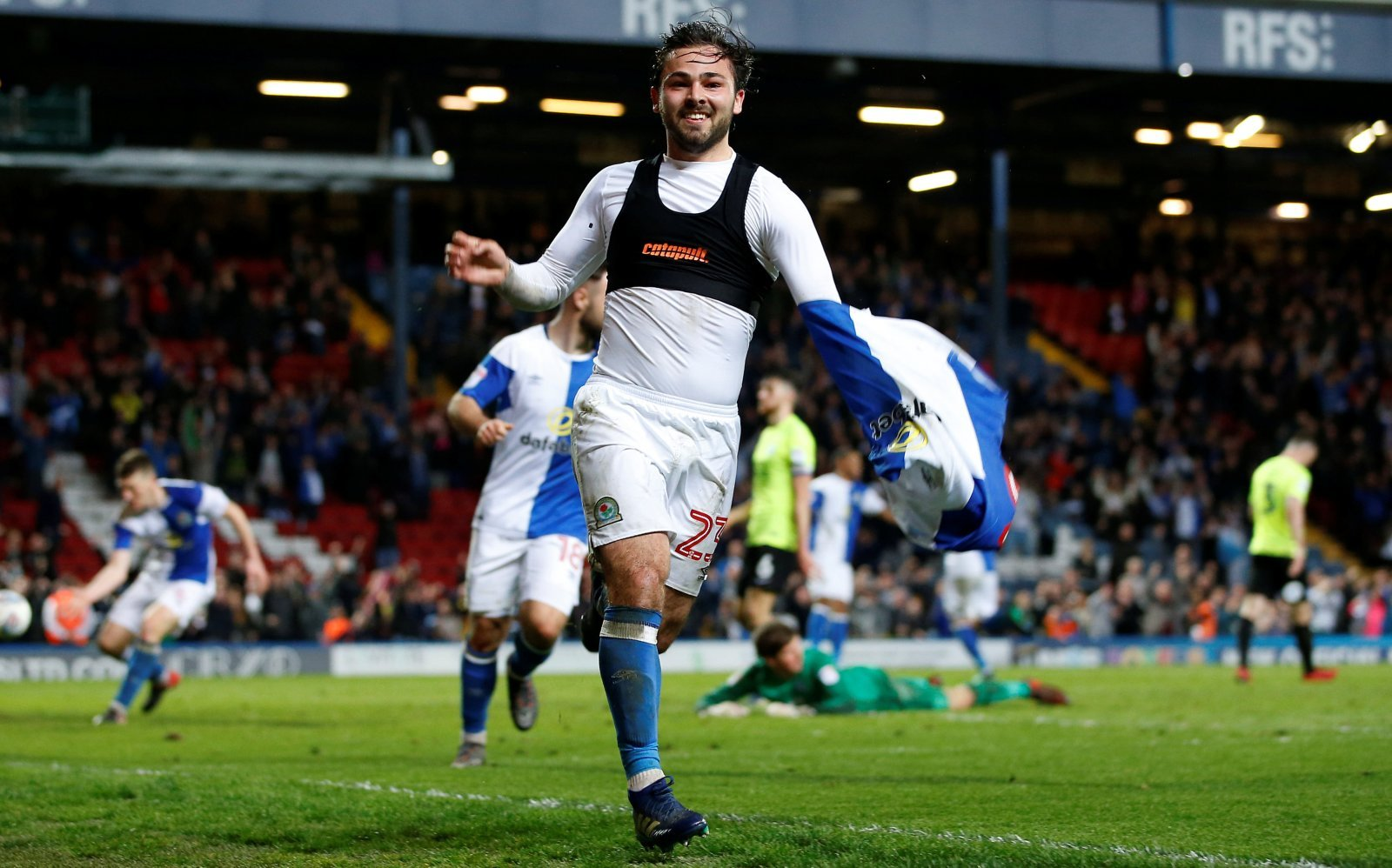 Newcastle should consider signing Bradley Dack in January