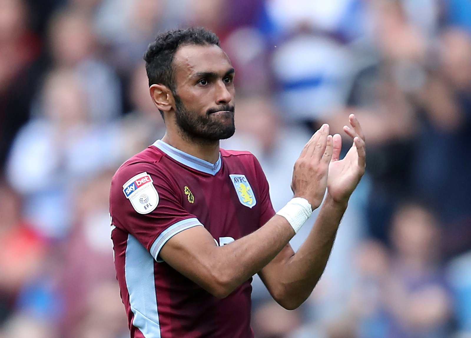 Elmohamady receives high praise from Aston Villa fans for his creative efforts