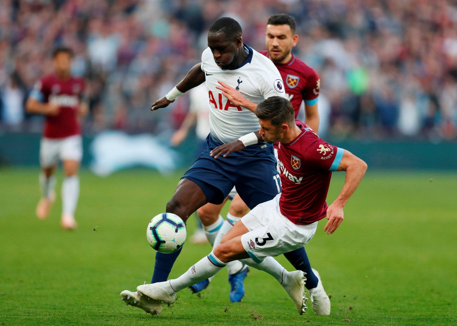 Tottenham fans take to Twitter in horror after hearing of Sissoko blow