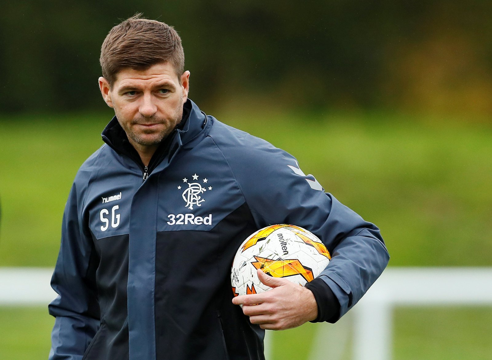 "Steven Gerrard warns his players about ""going into their shell"""