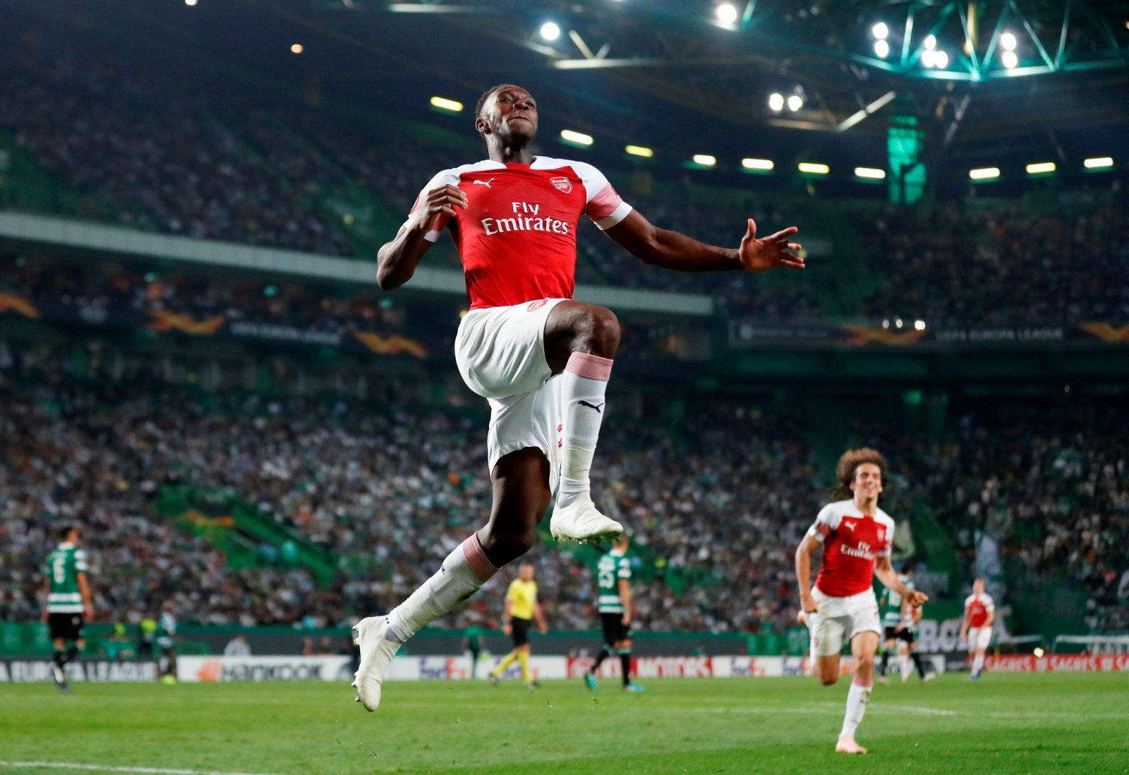 Arsenal fans beg club to reward Danny Welbeck