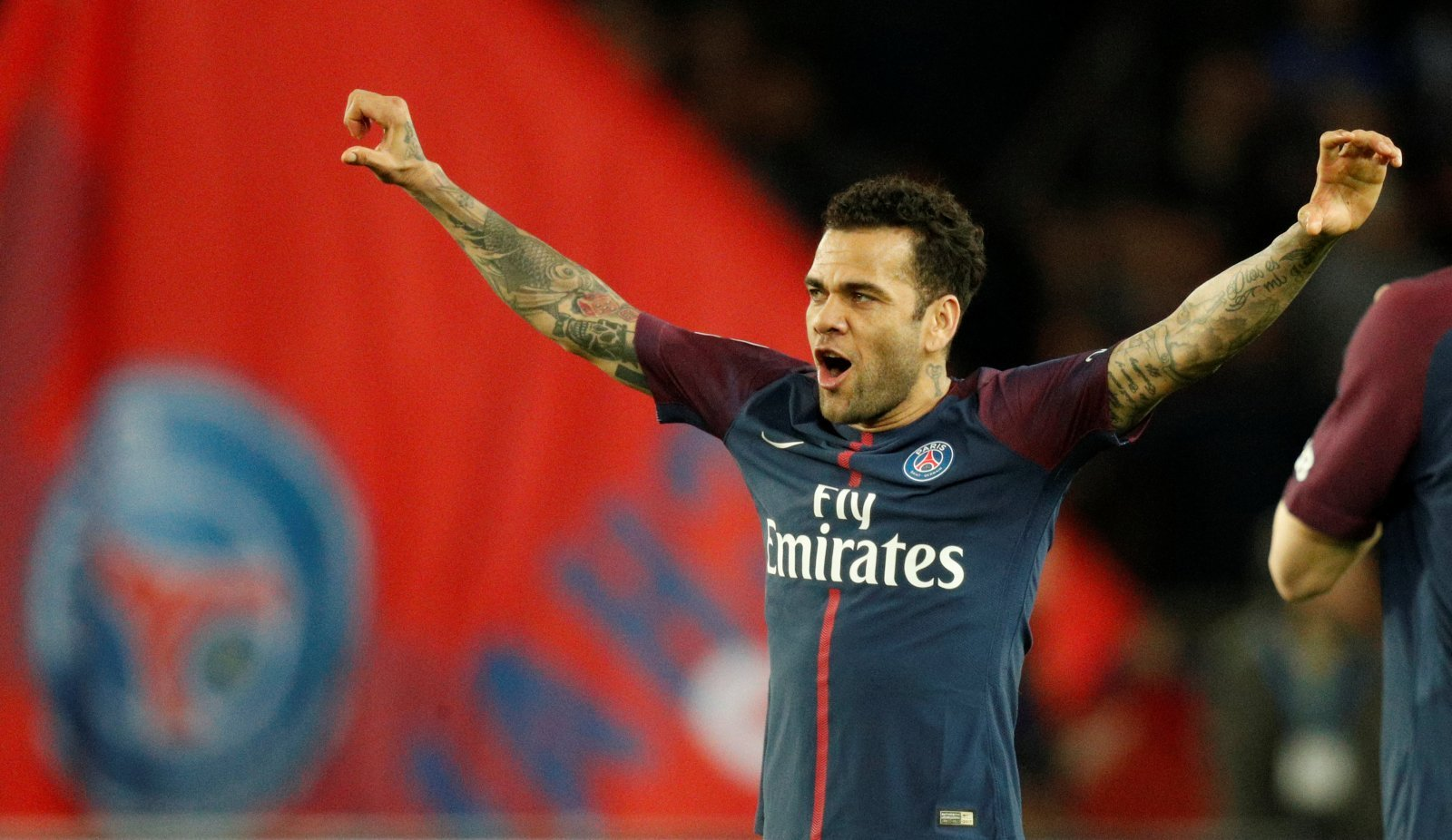 Manchester City: Dani Alves would only be signed if Danilo leaves