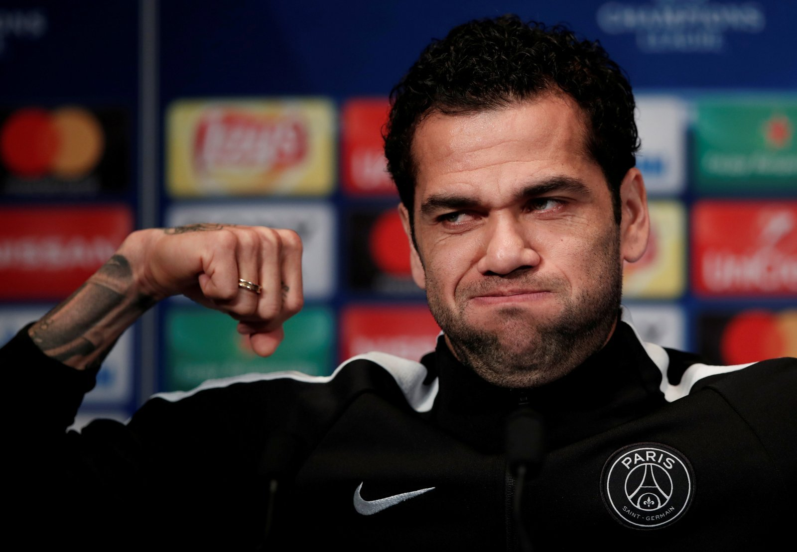 Manchester City: Need to pay Dani Alves mega money to sign