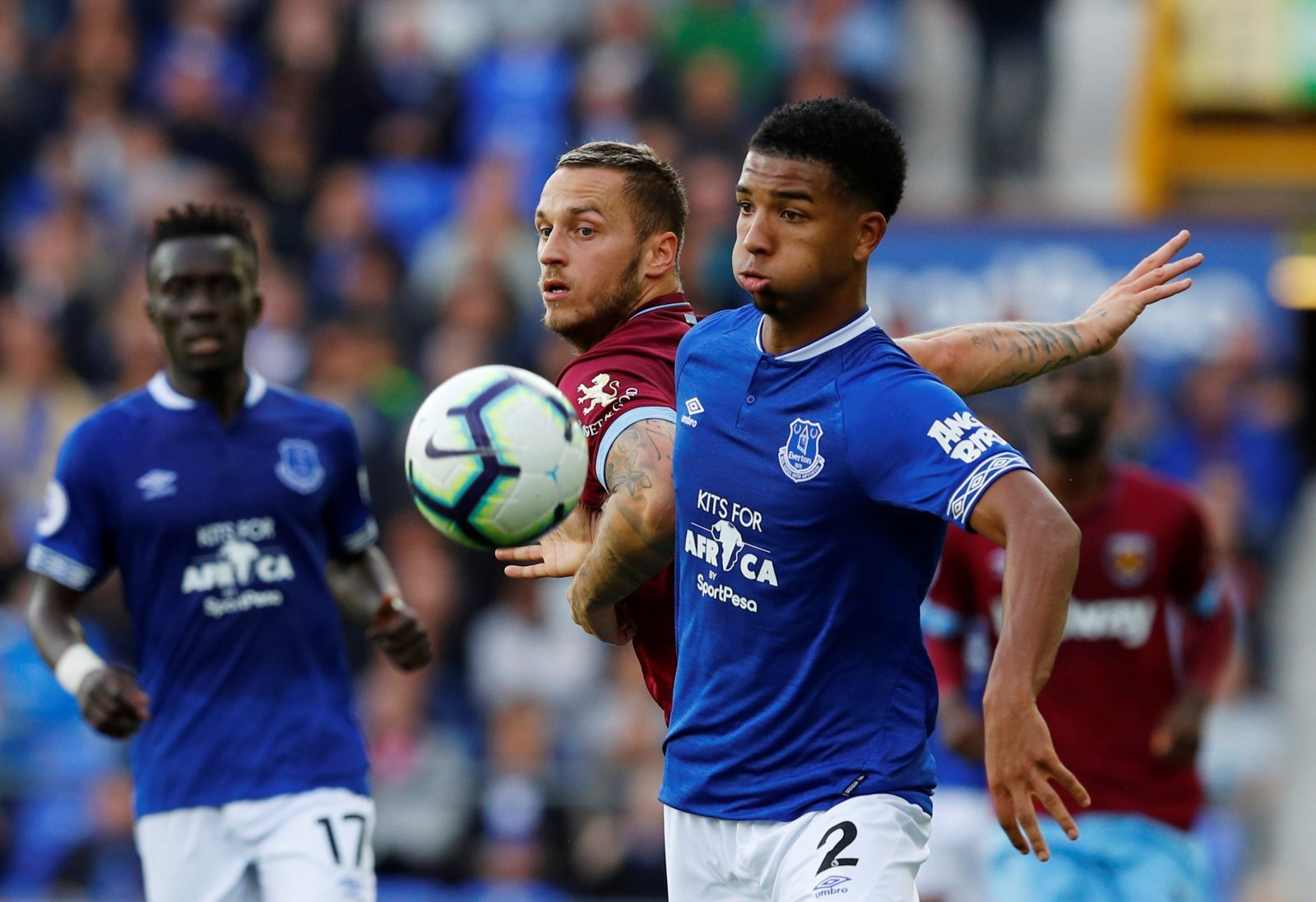 Mason Holgate told he can leave Everton on loan in January