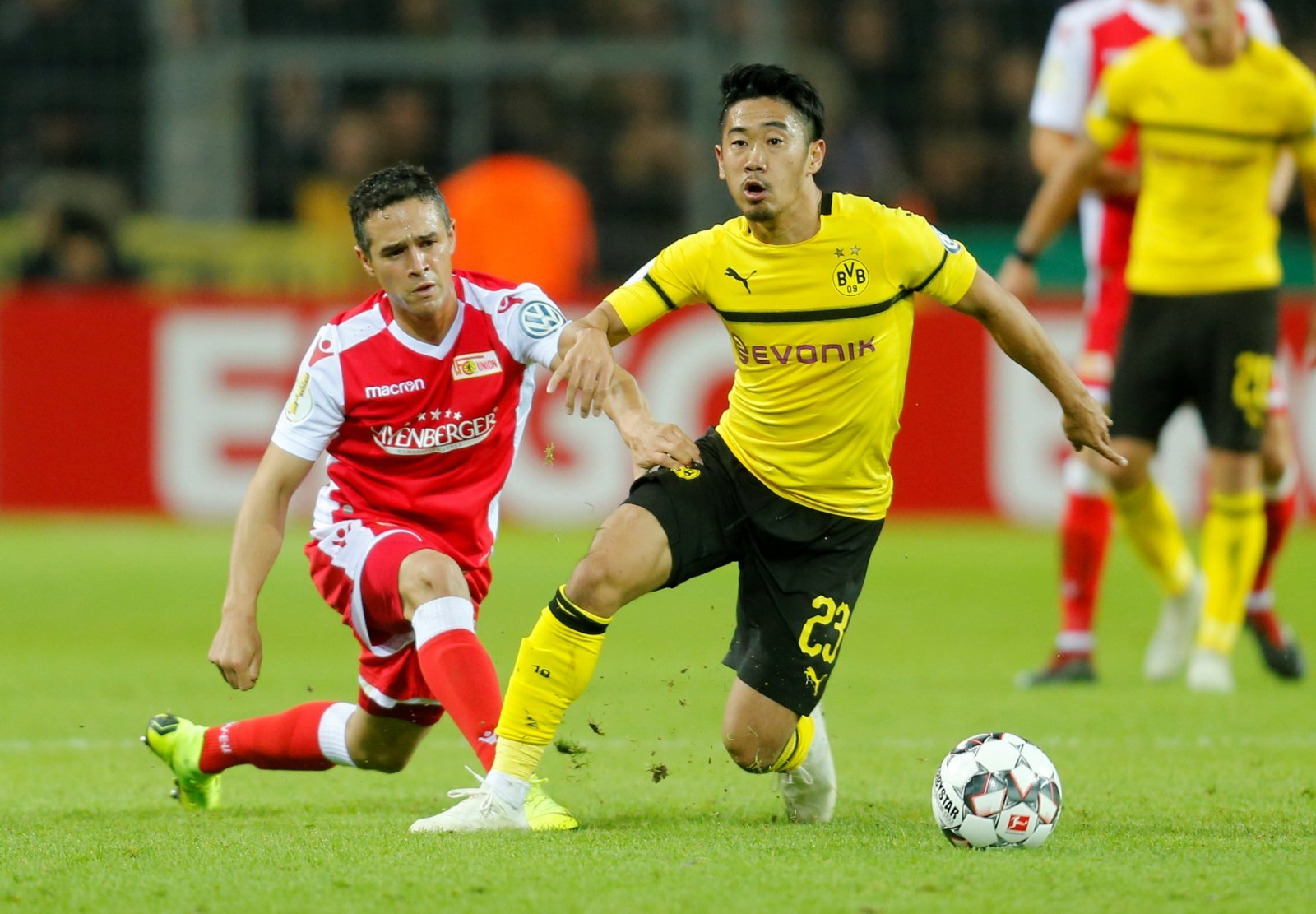 Everton move for Shinji Kagawa would be an absolute waste of time and money