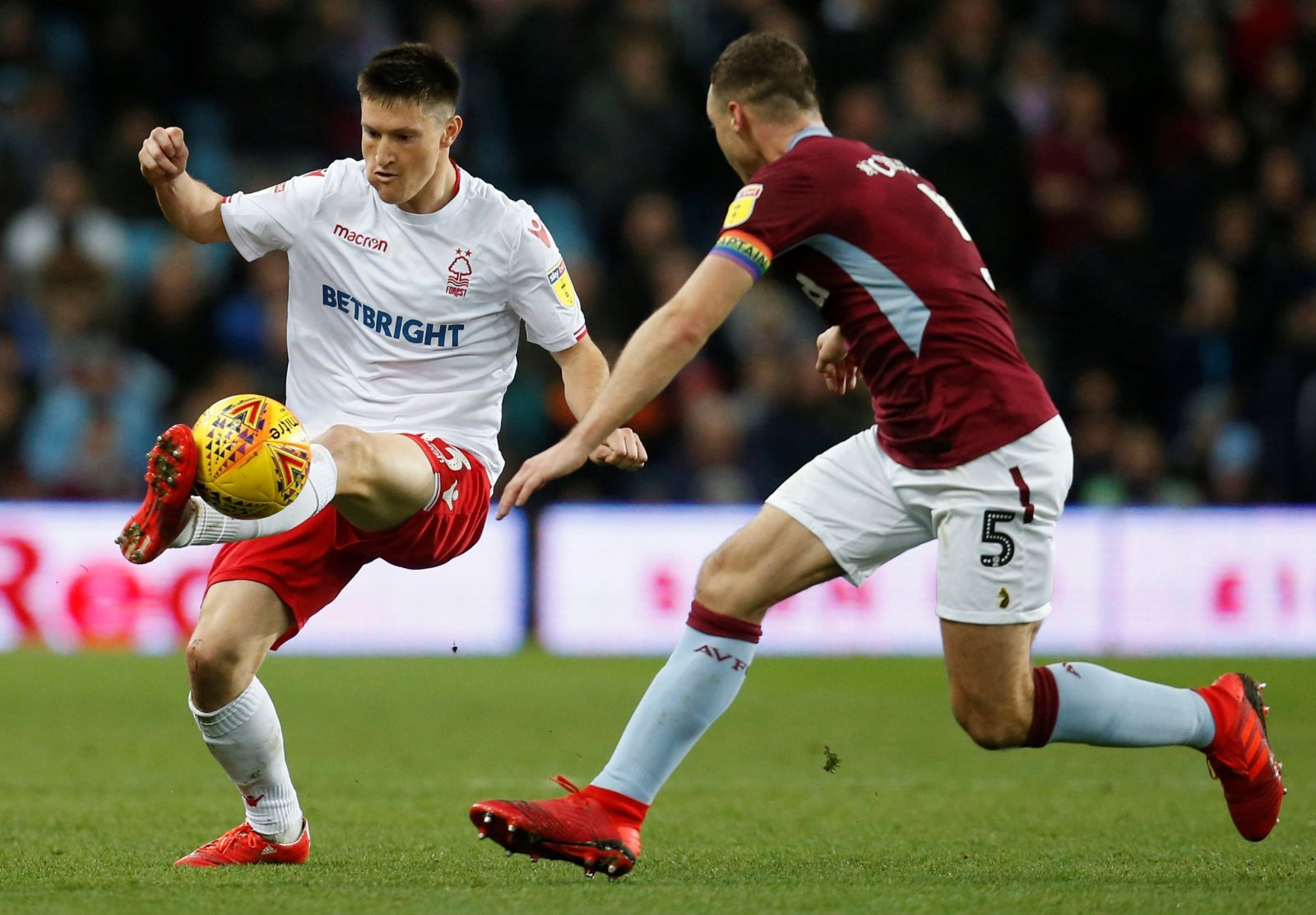 Nottingham Forest open talks with Joe Lolley
